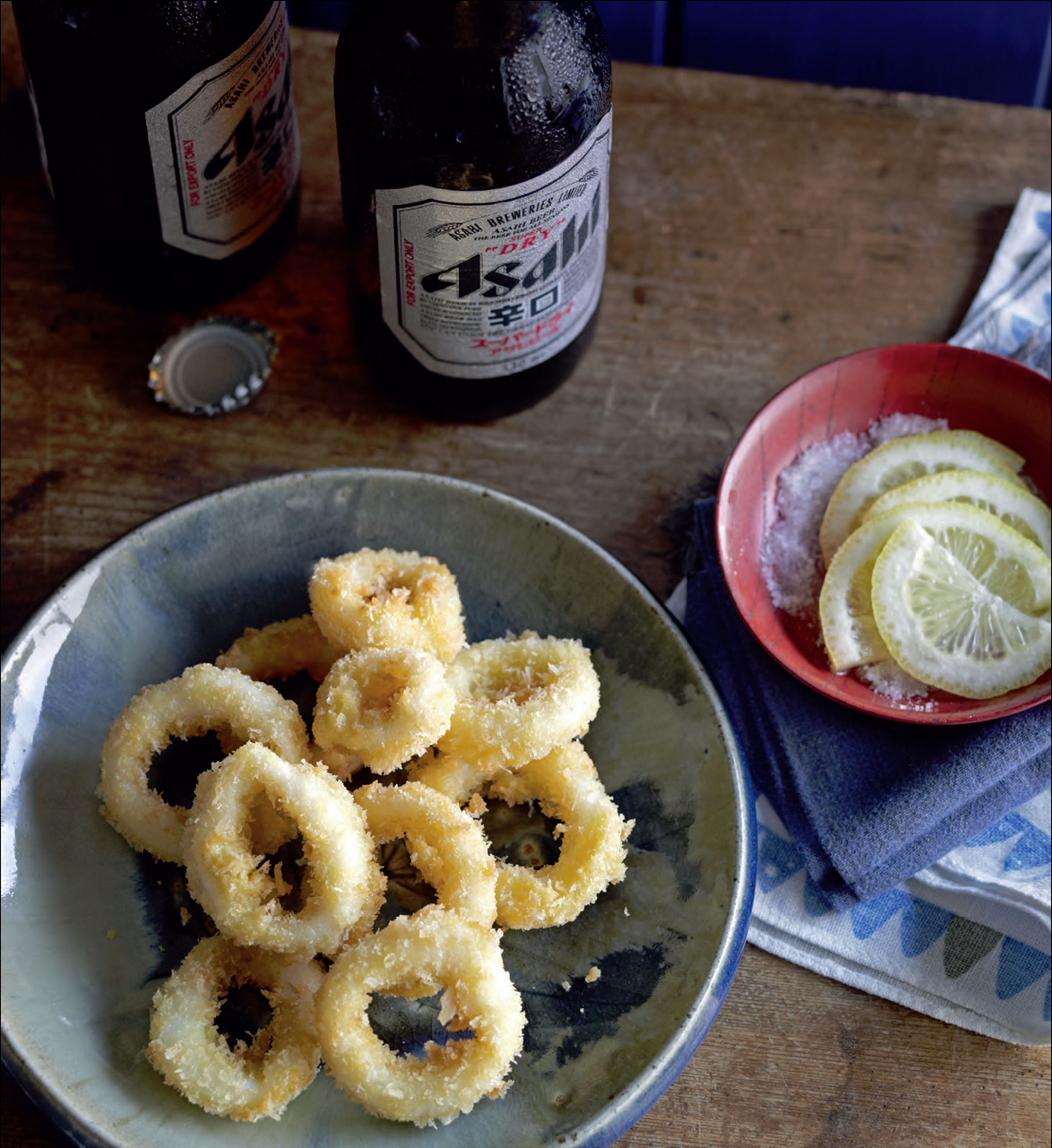 Fried squid with lemon and salt
