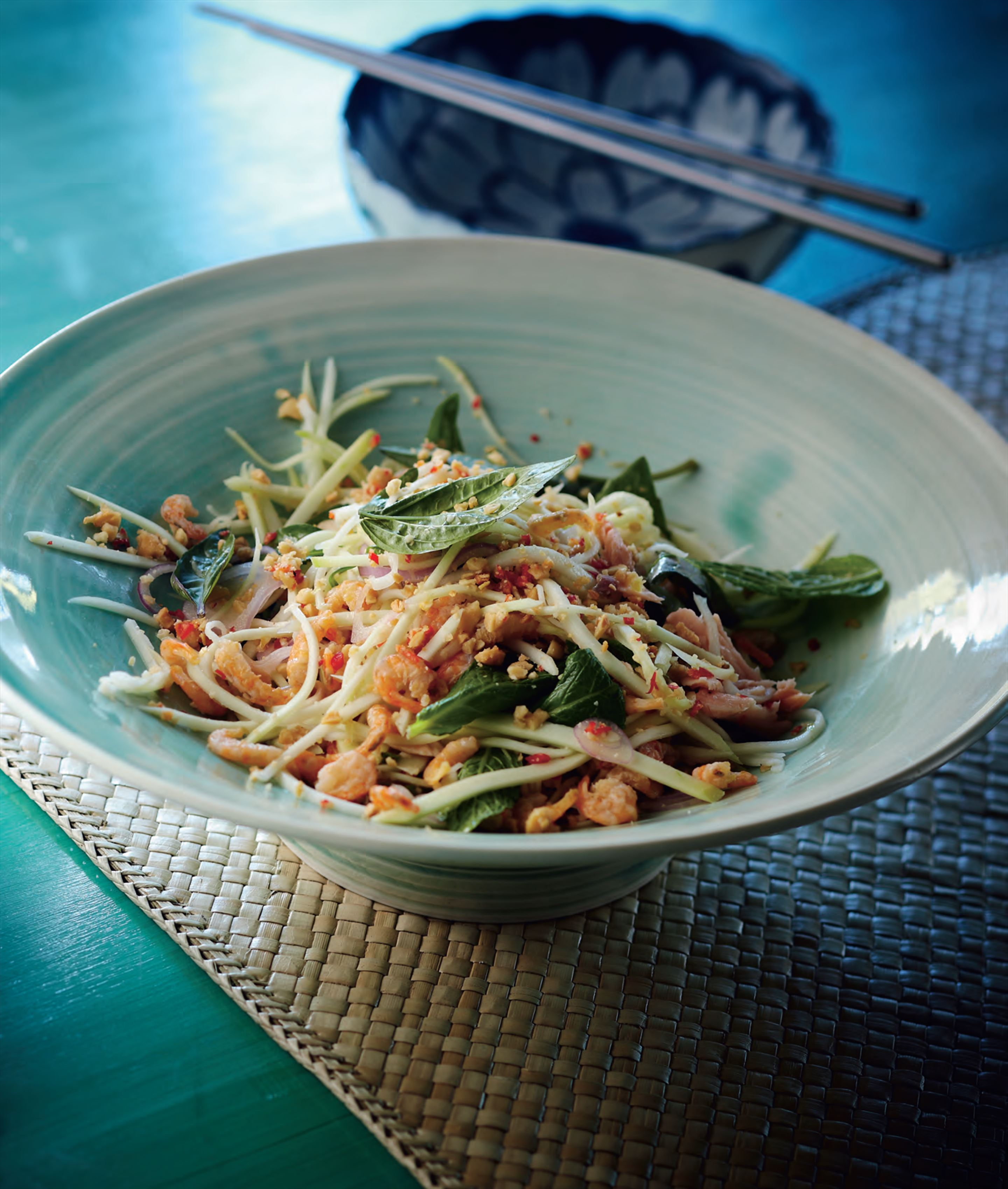 Green mango and dried shrimp salad