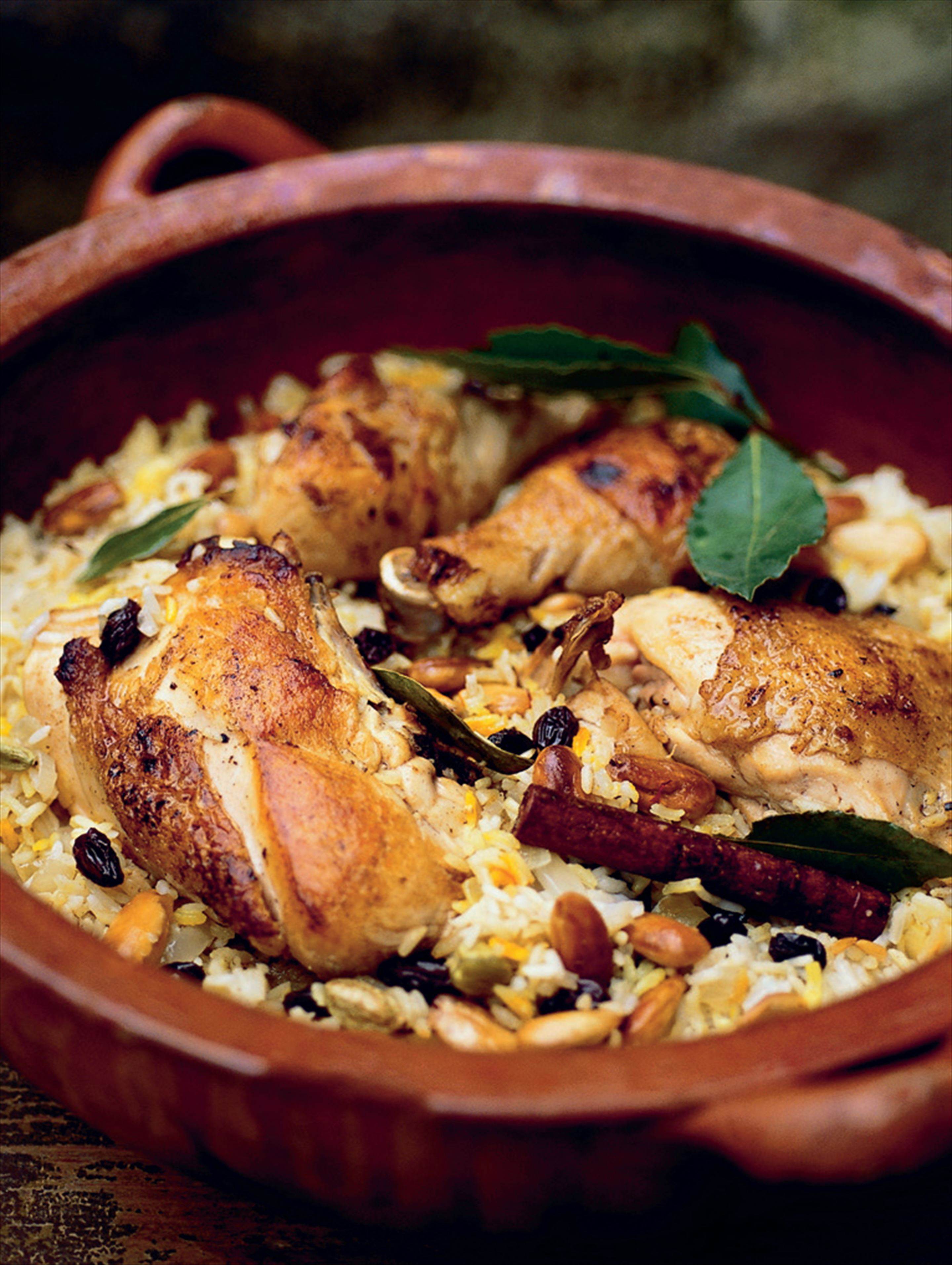 One-pot chicken with fragrant saffron rice