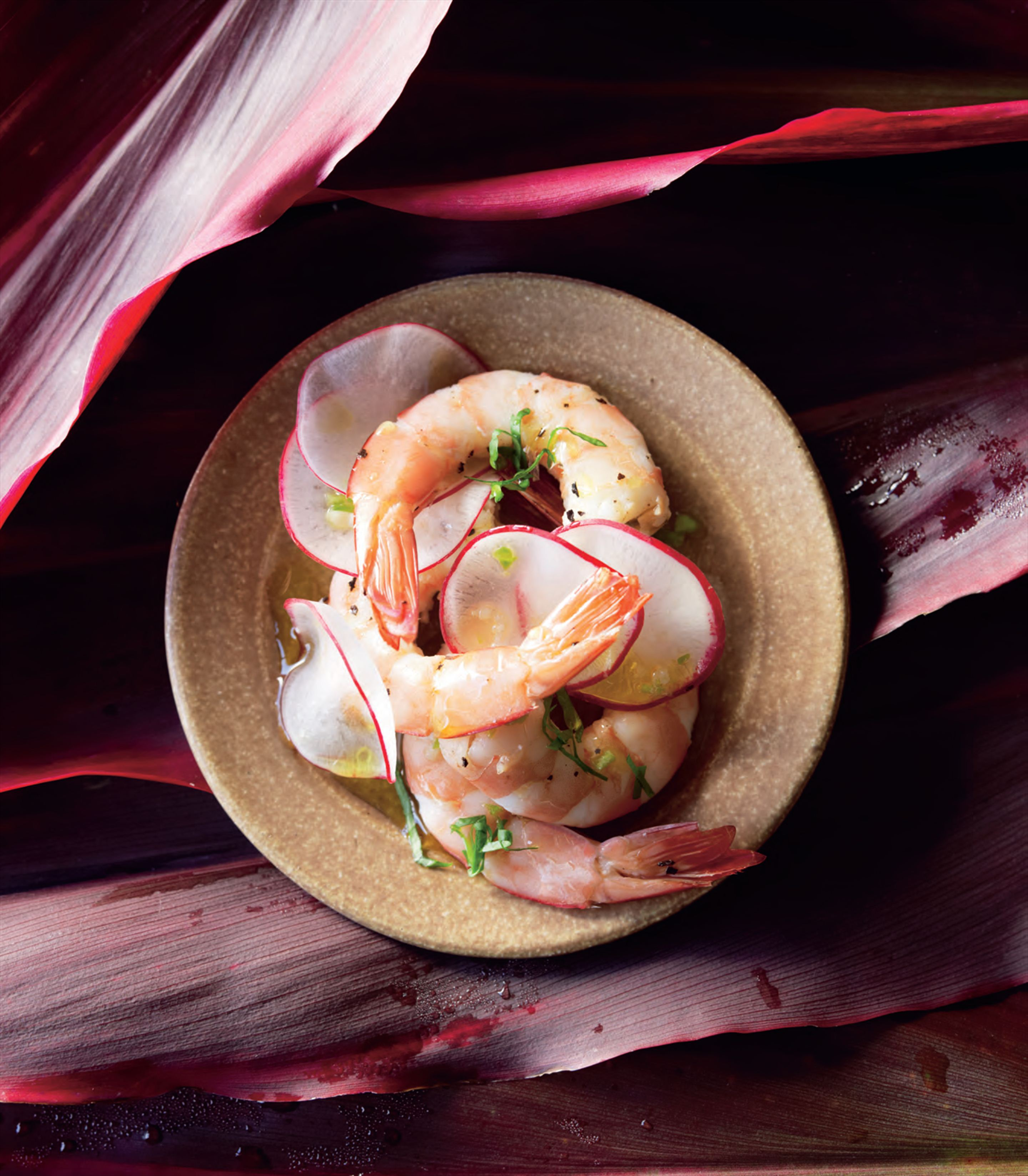 Jasmine-scented steamed prawns
