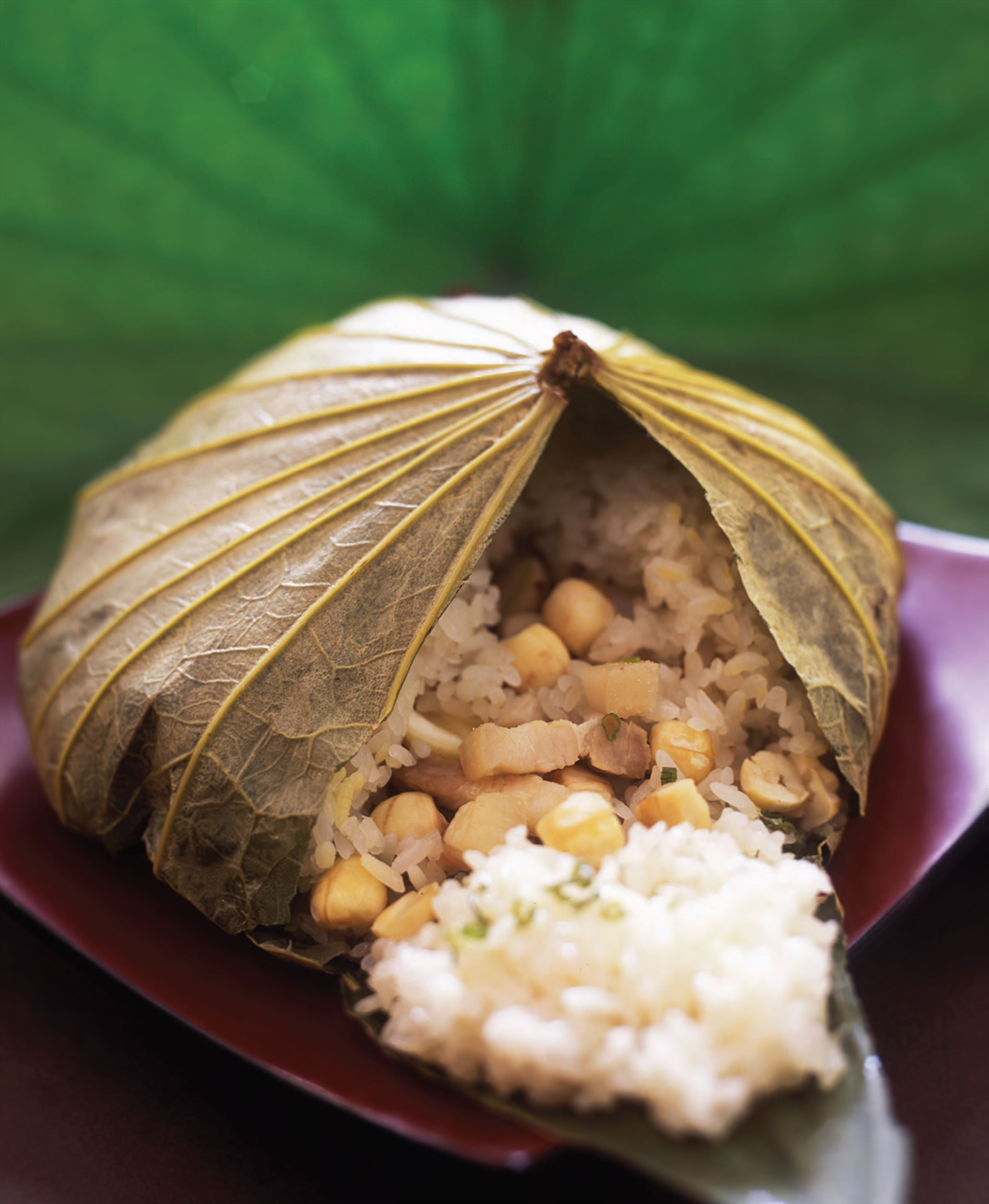 Sticky rice steamed in lotus leaf