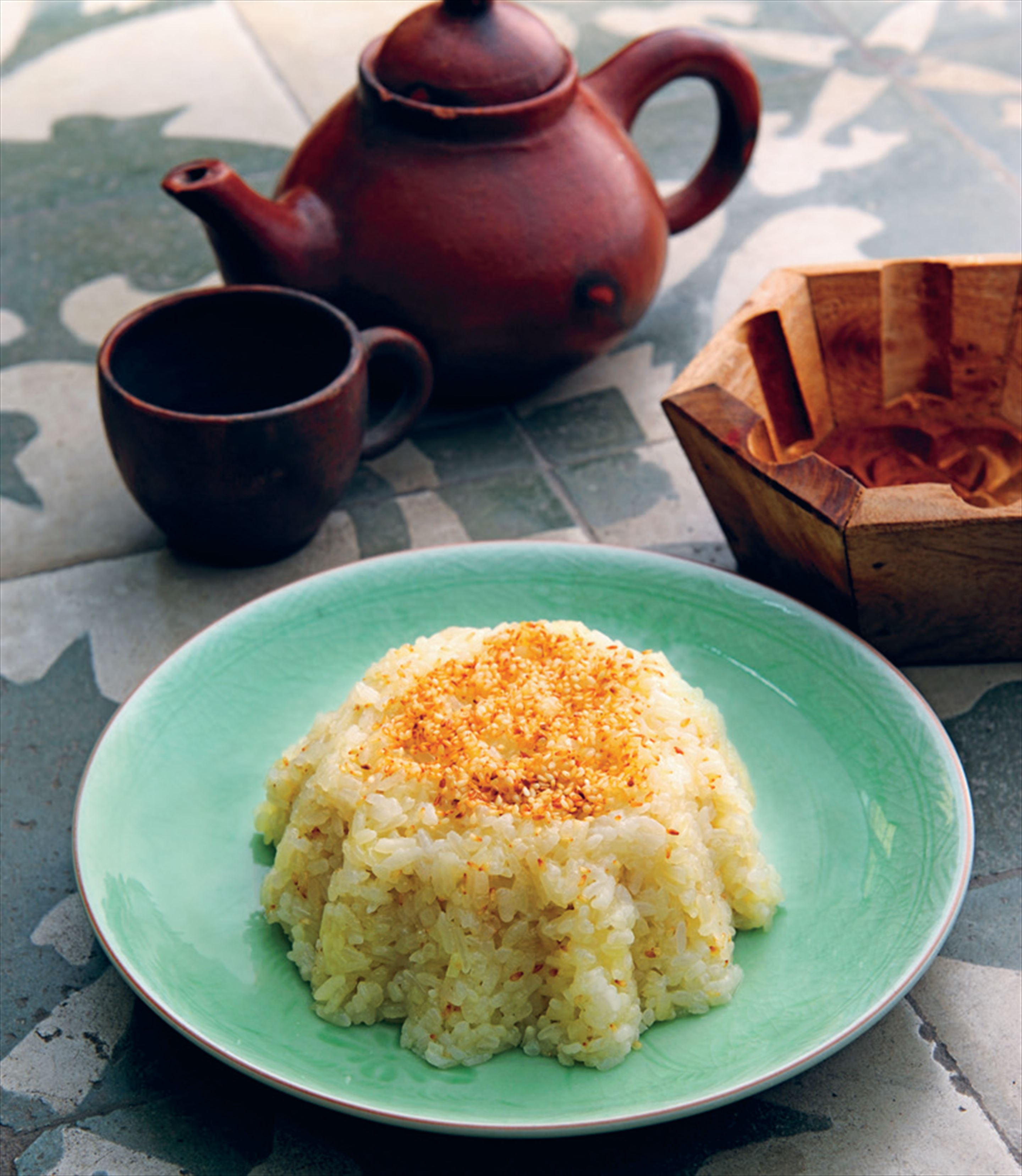 Ginger sticky rice cakes