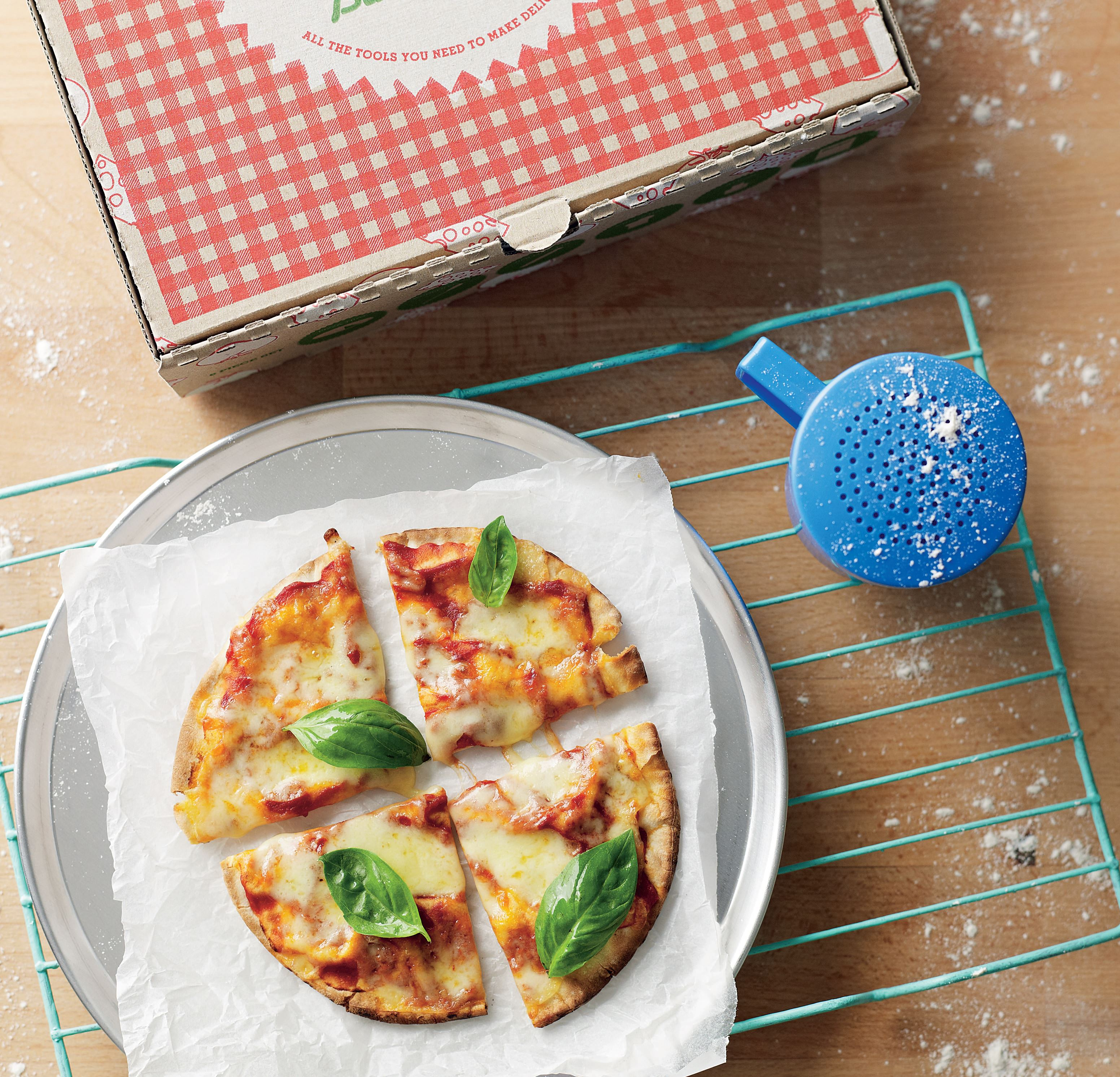 Super-speedy margherita pizza