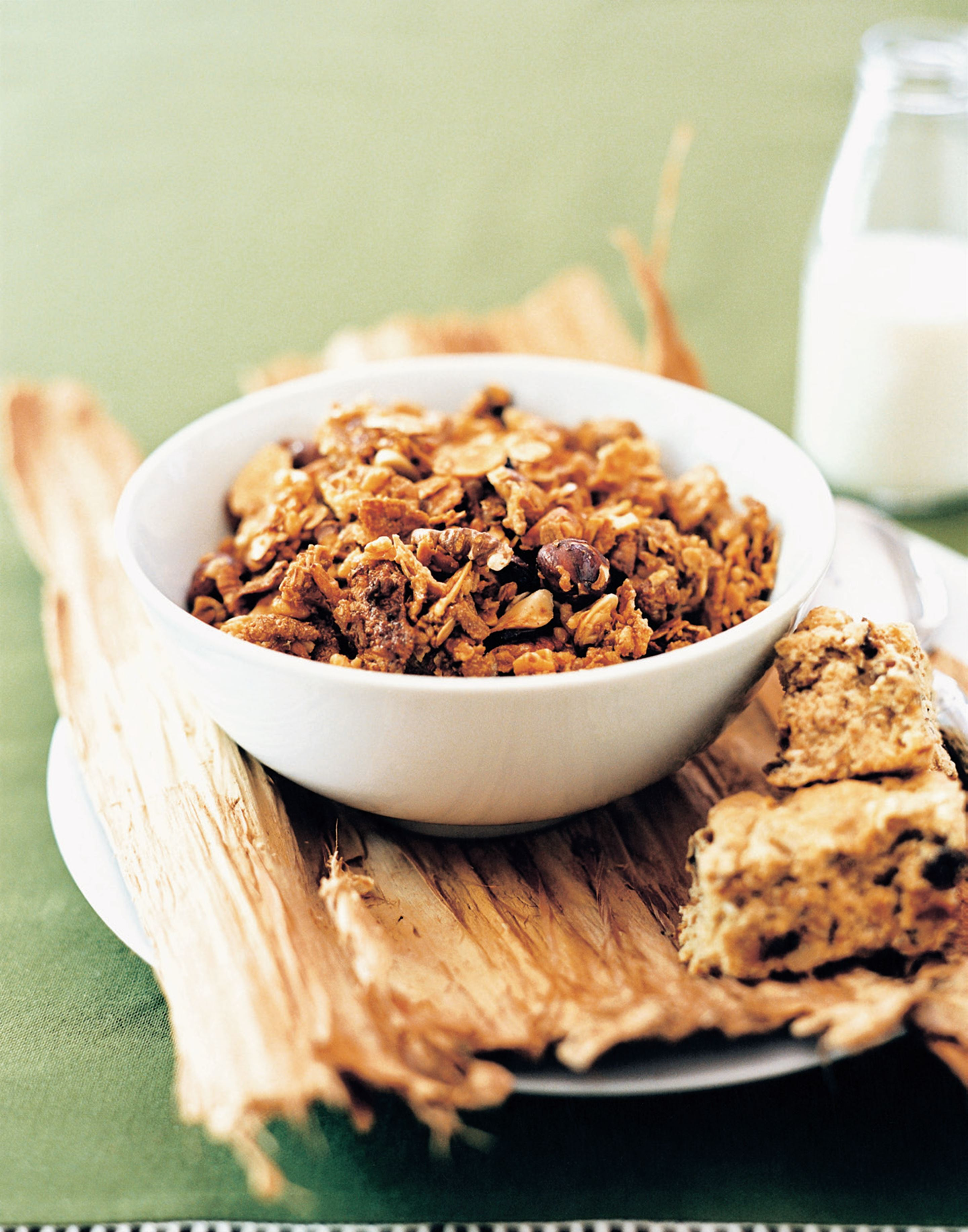Low-fat granola