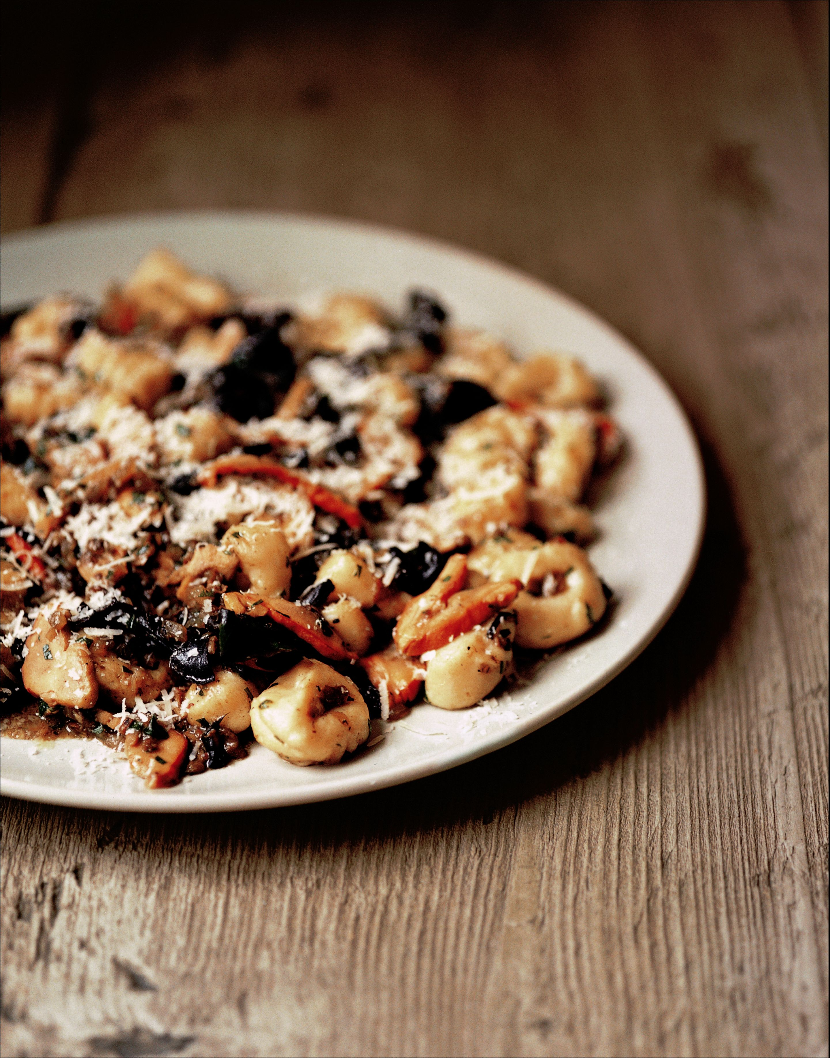 Gnocchi with horn of plenty and chicken of the woods