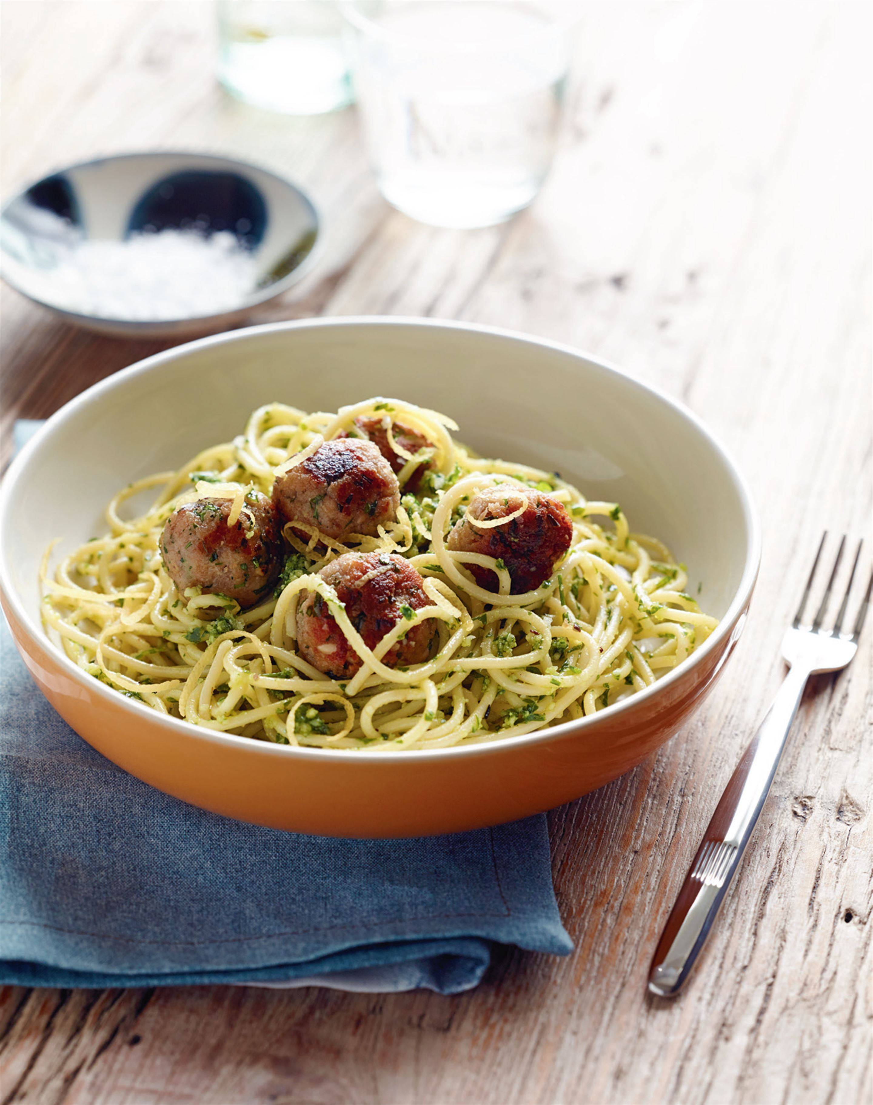 Tuna meatballs with parsley pesto pasta