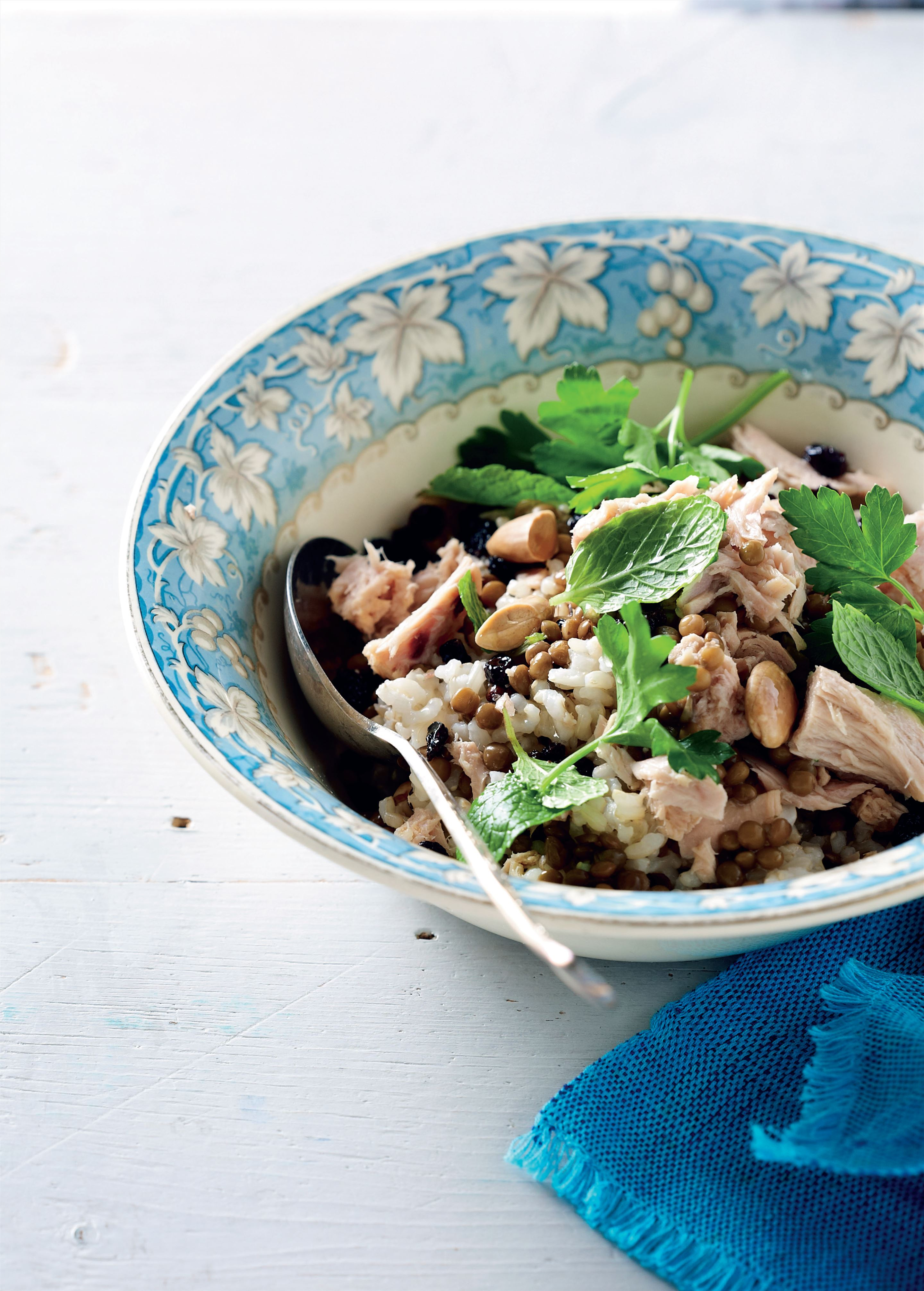 Herbed tuna and lentil rice salad