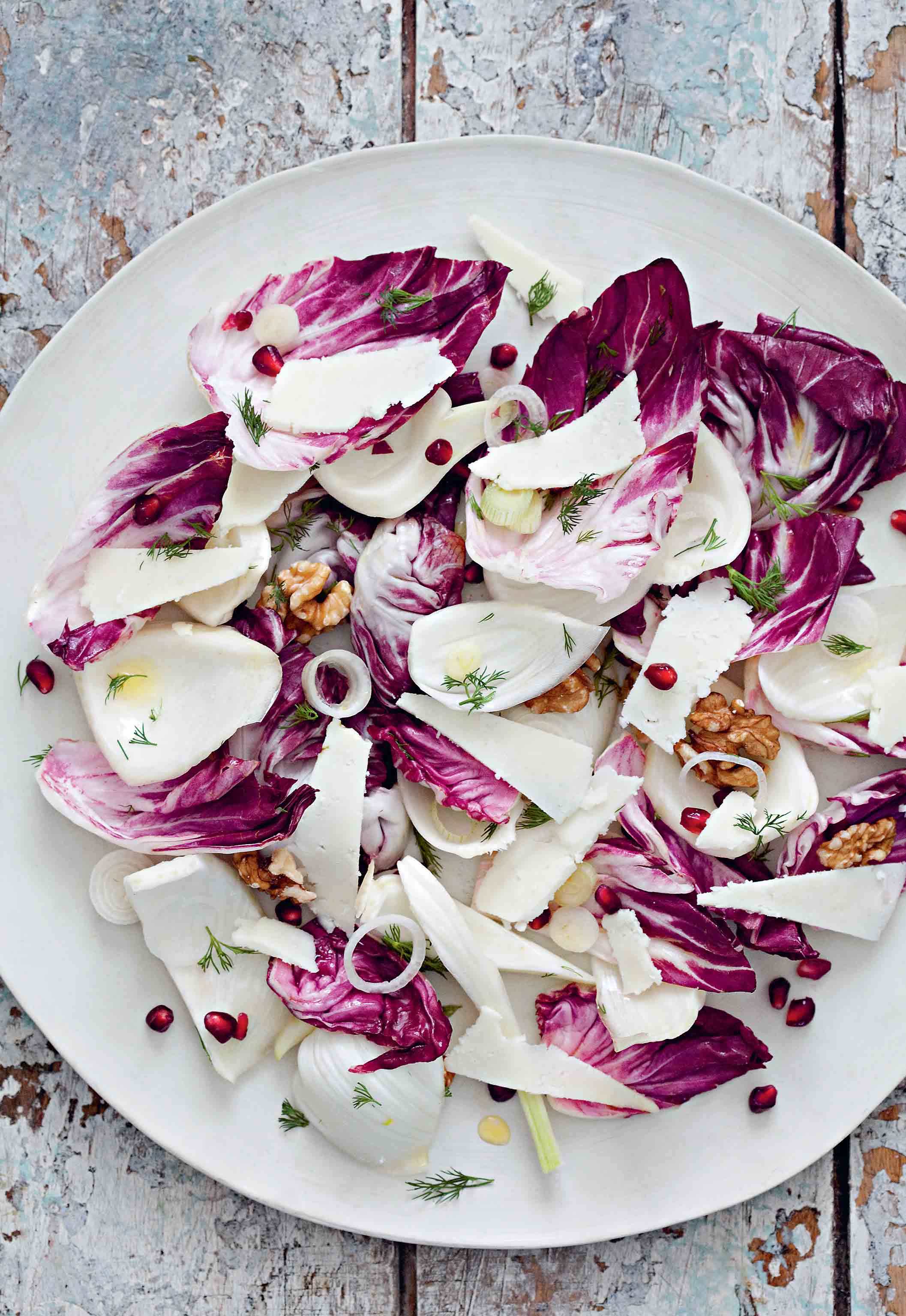 Walnut, fennel & pomegranate salad