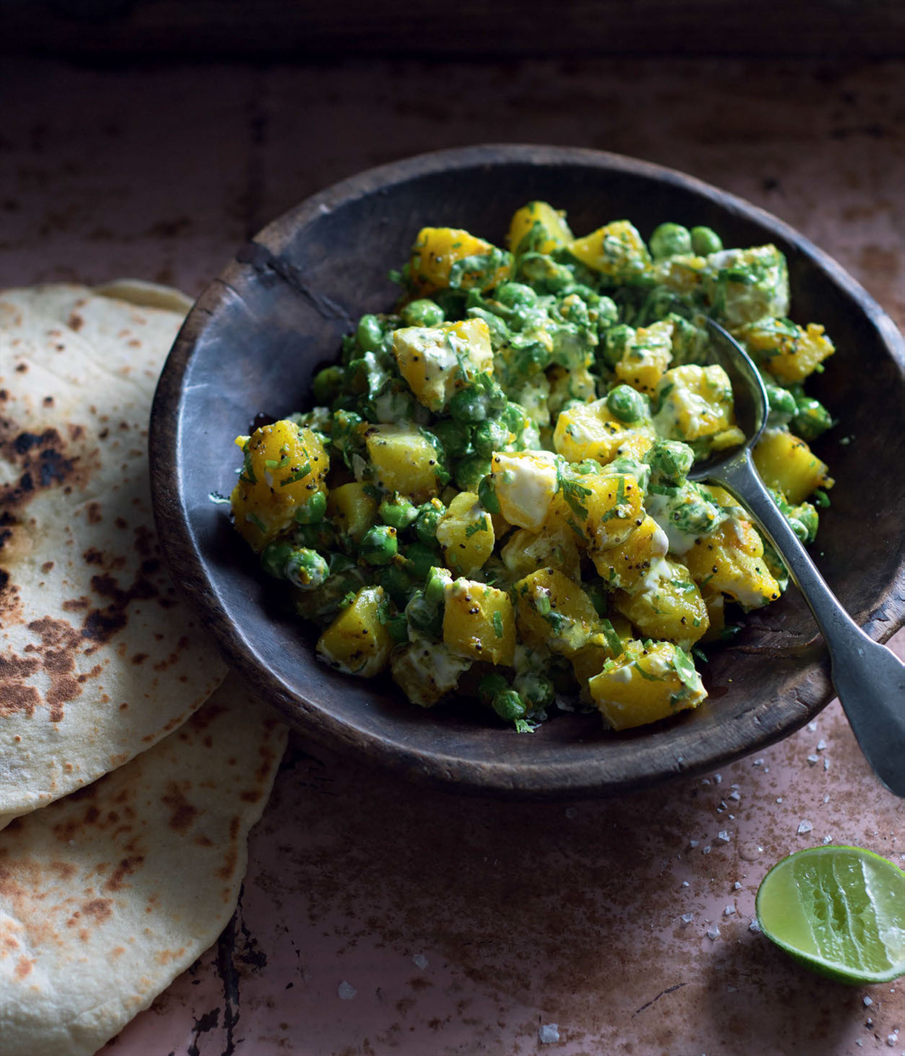 Potato salad with peas & Persian spices