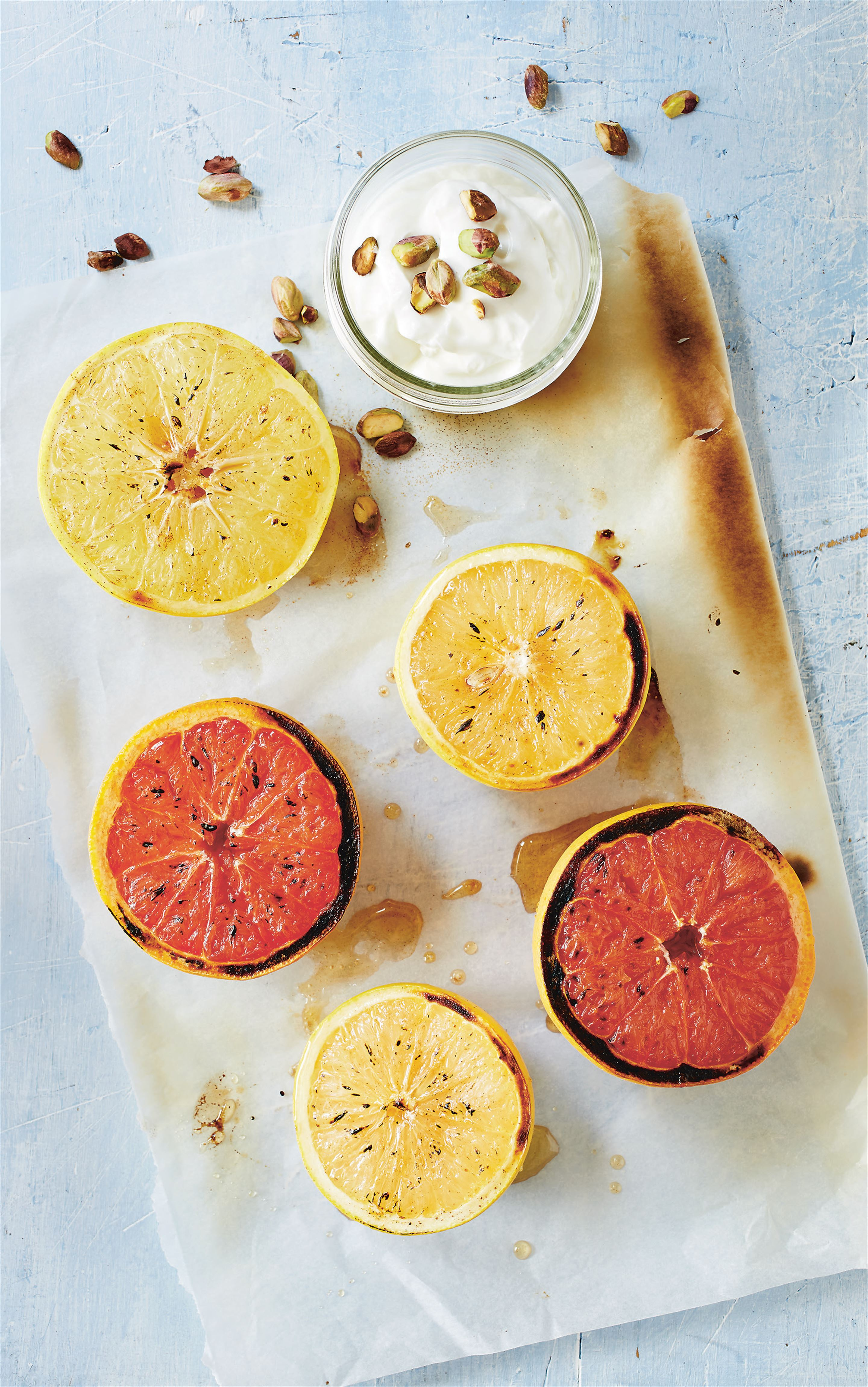 Griddled grapefruit with pistachios and yoghurt