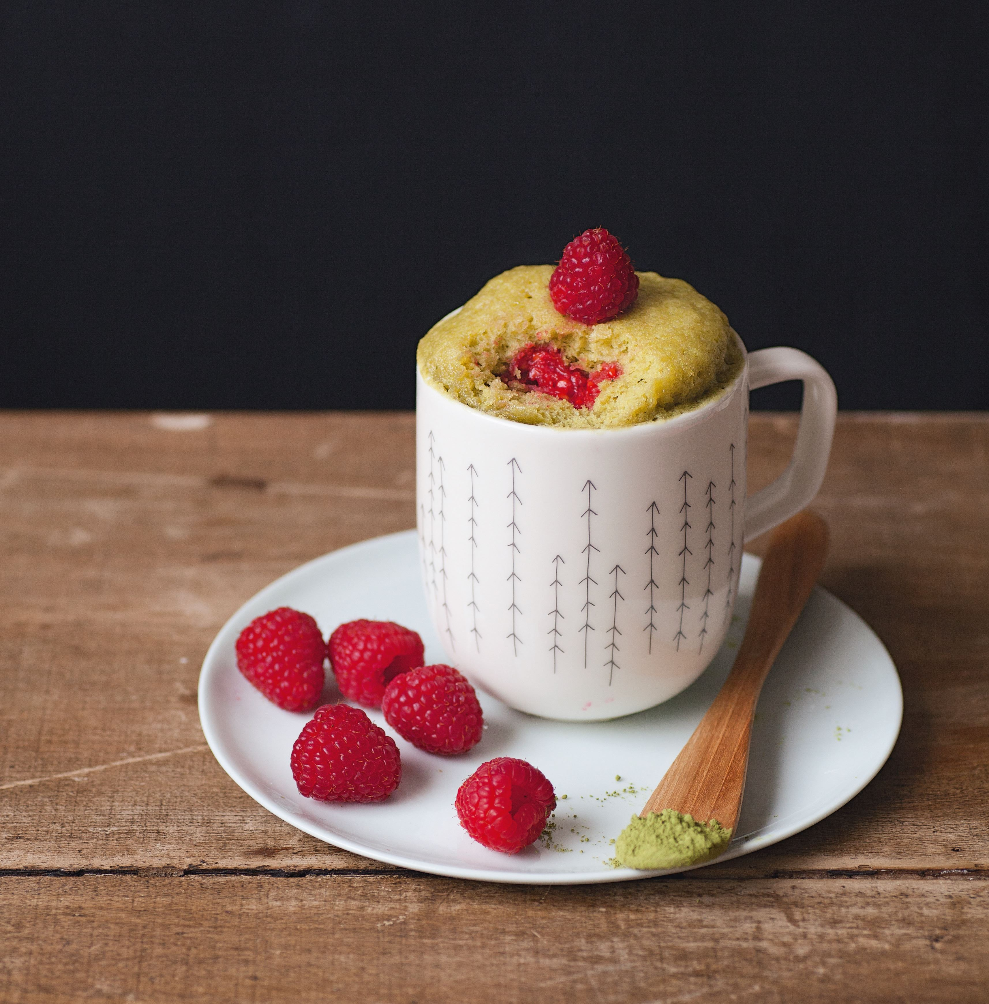 White chocolate & raspberry mug cake with matcha green tea