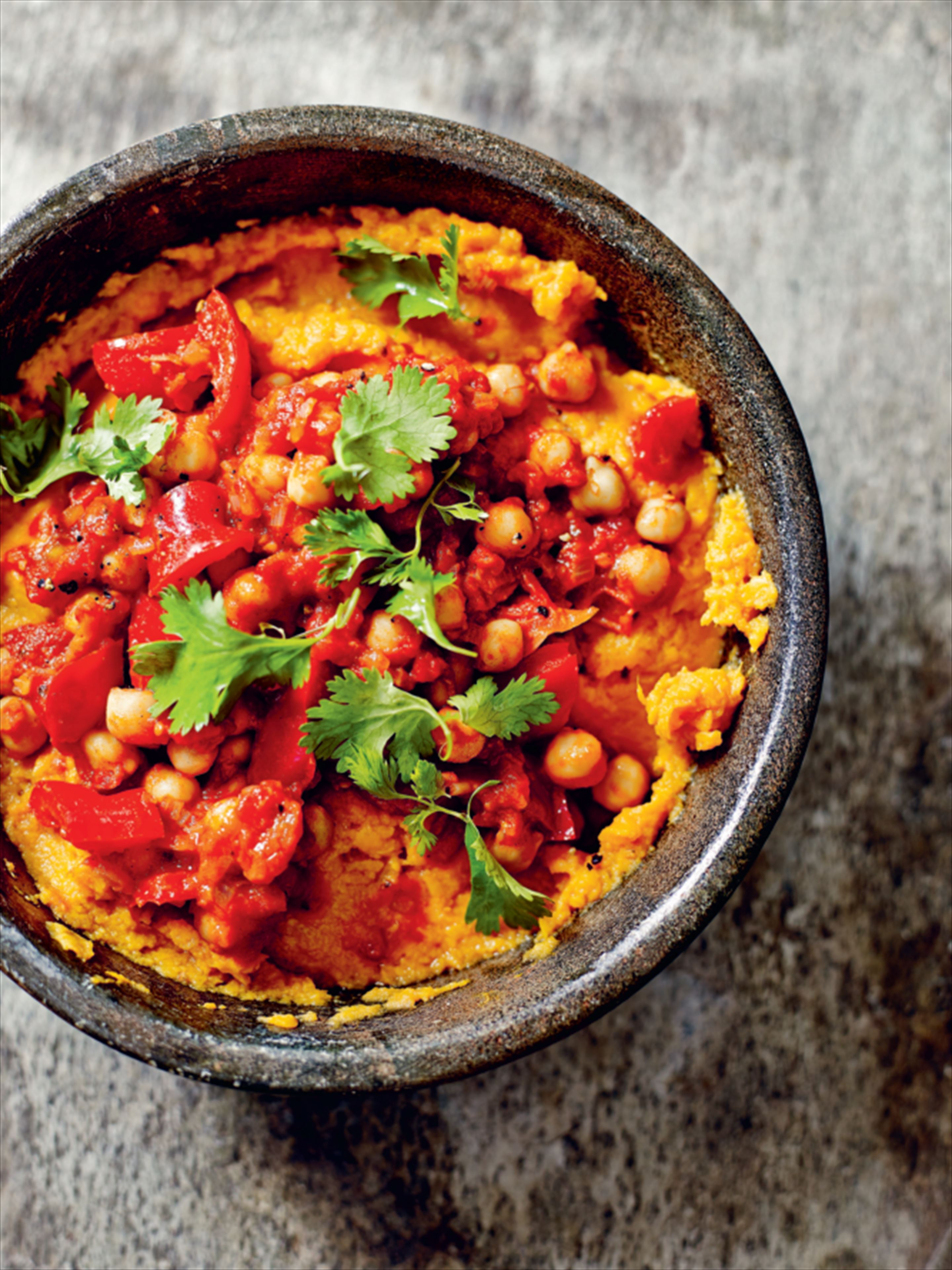 Chickpea and red pepper stew with sweet potato mash