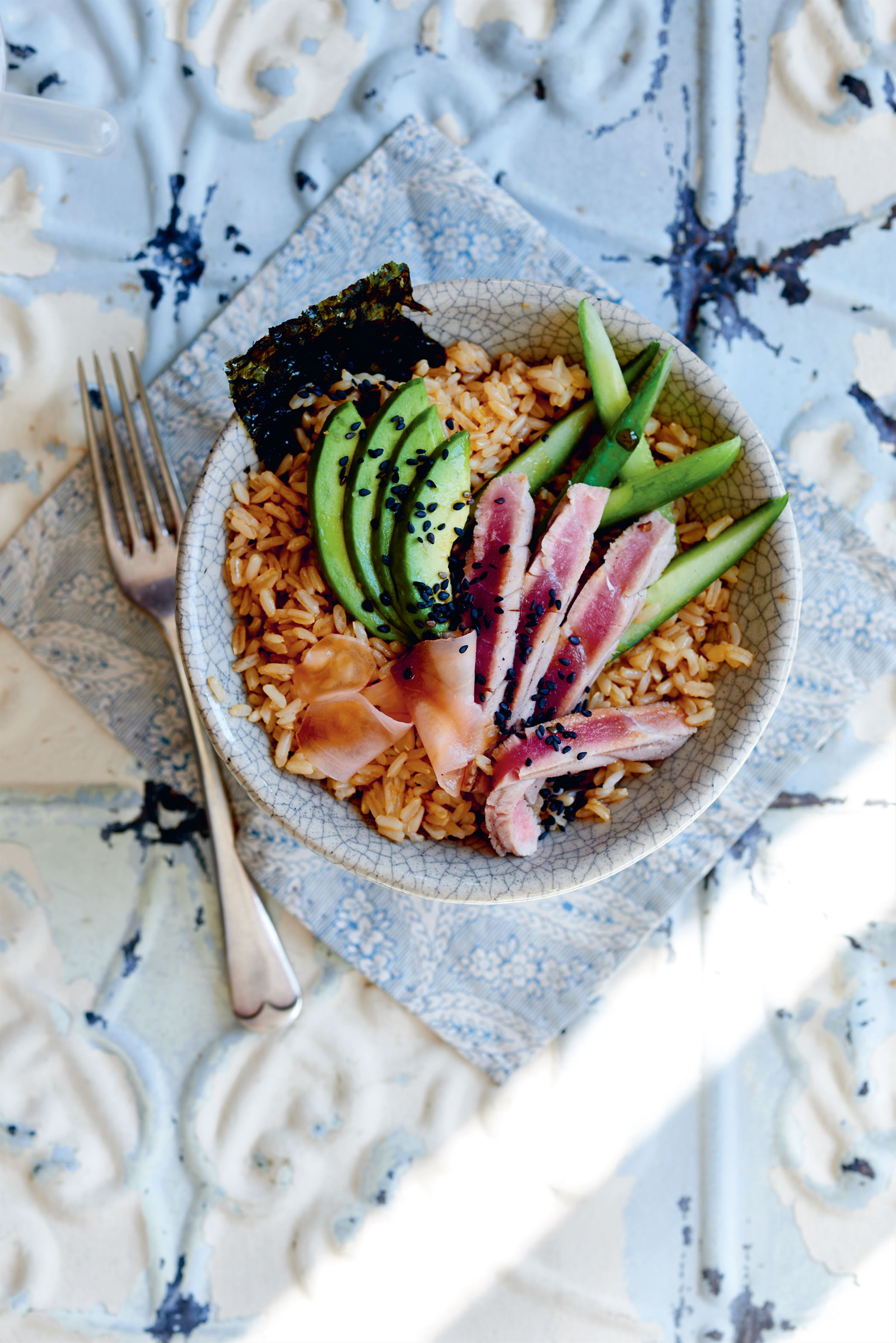 Seared tuna and sesame rice bowl