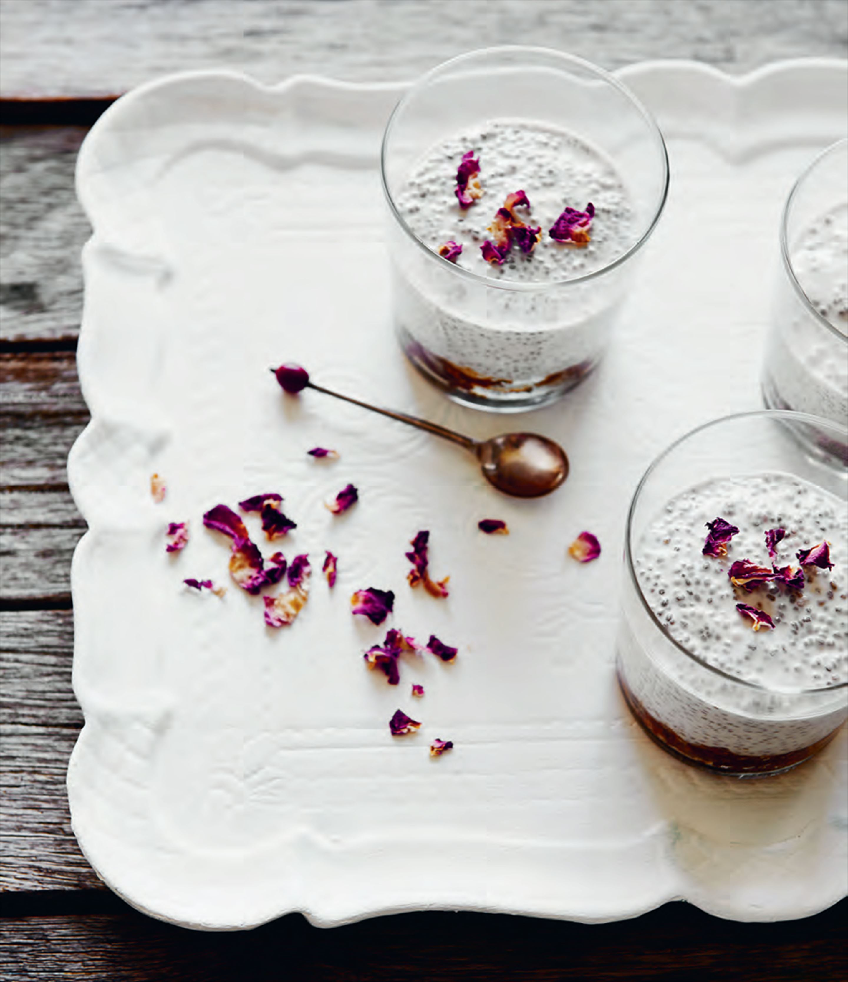 Lemon cheesecake chia pudding