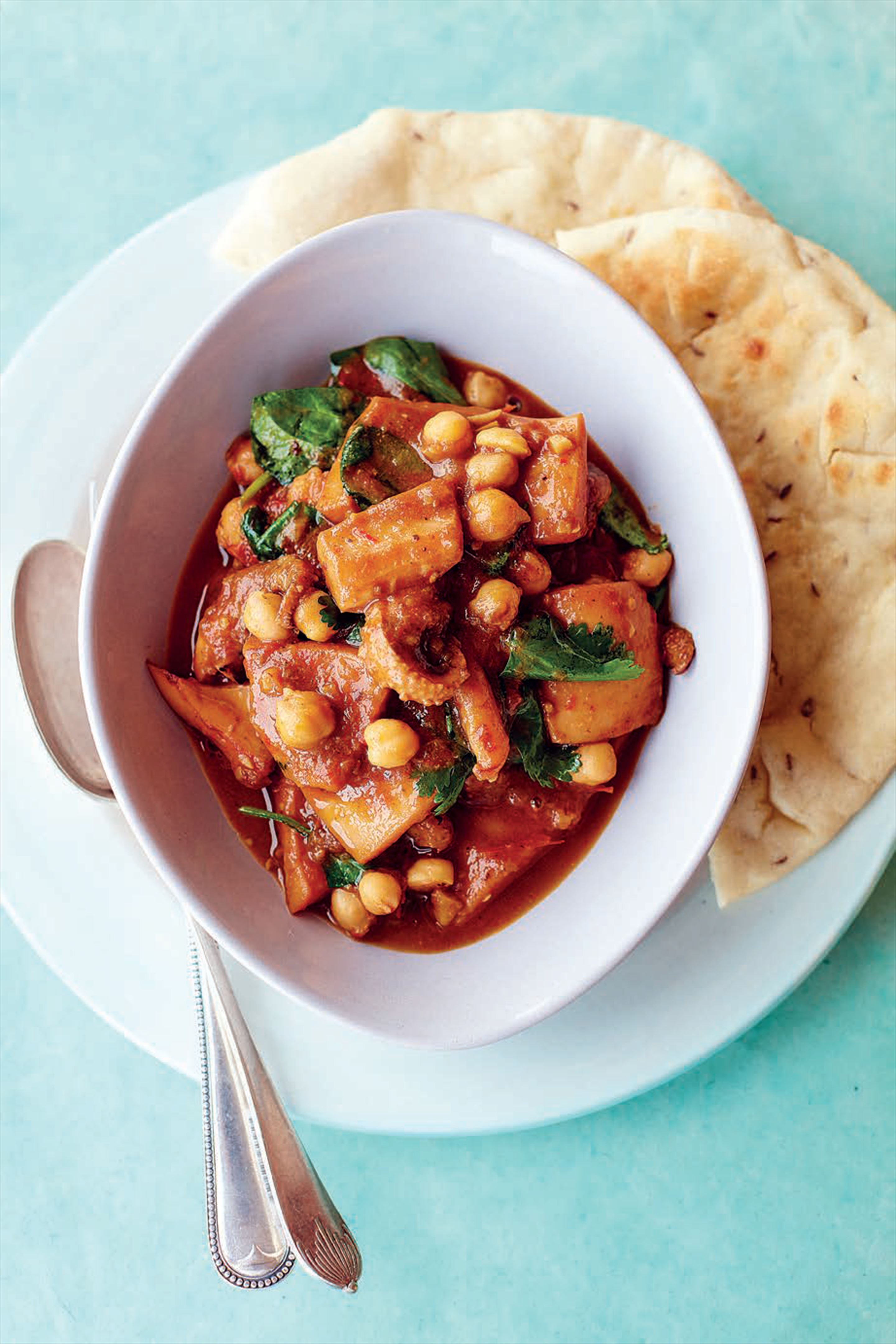 Cuttlefish curry with chickpeas and spinach