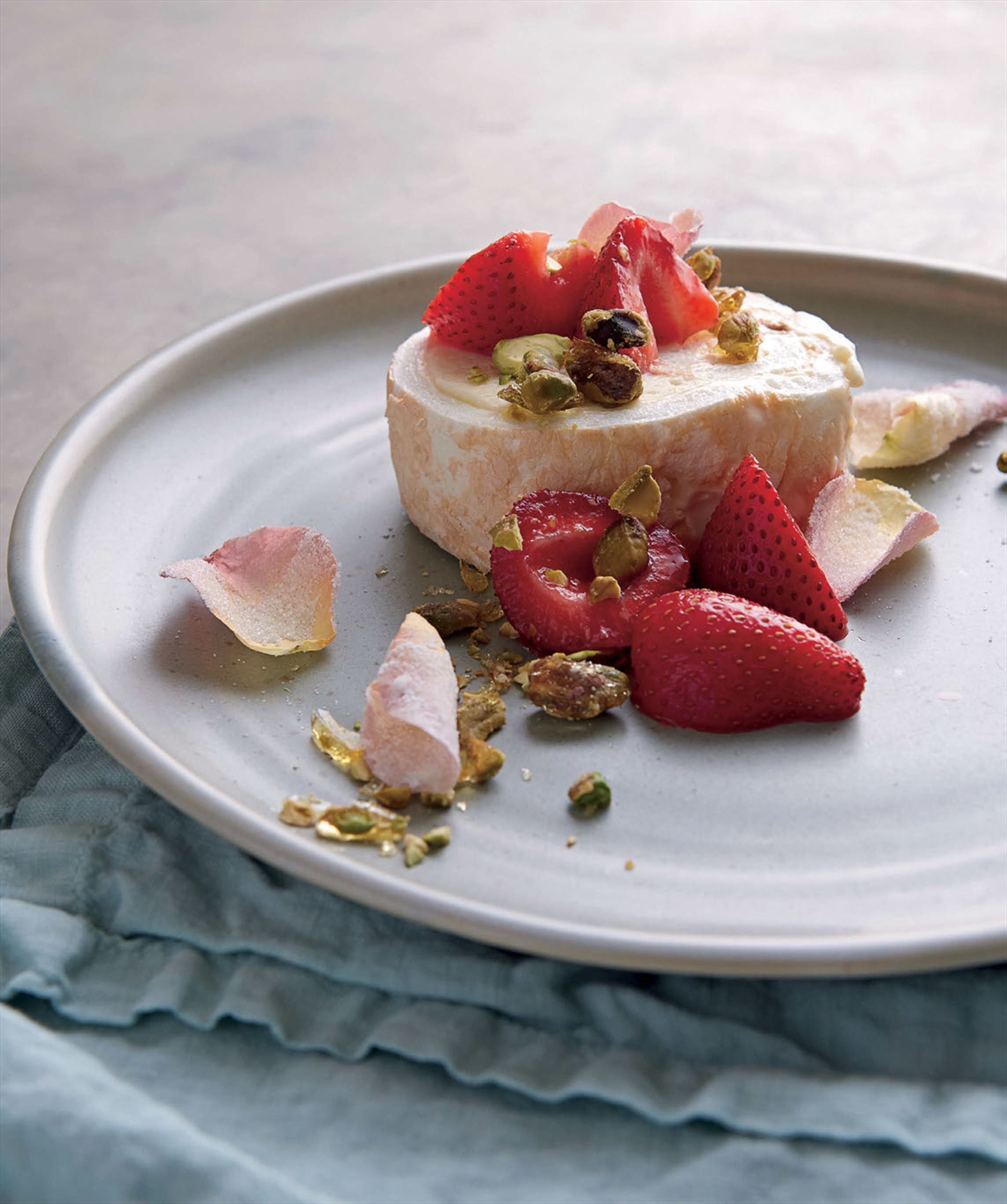 Cath's strawberry and rose rolled pavlova