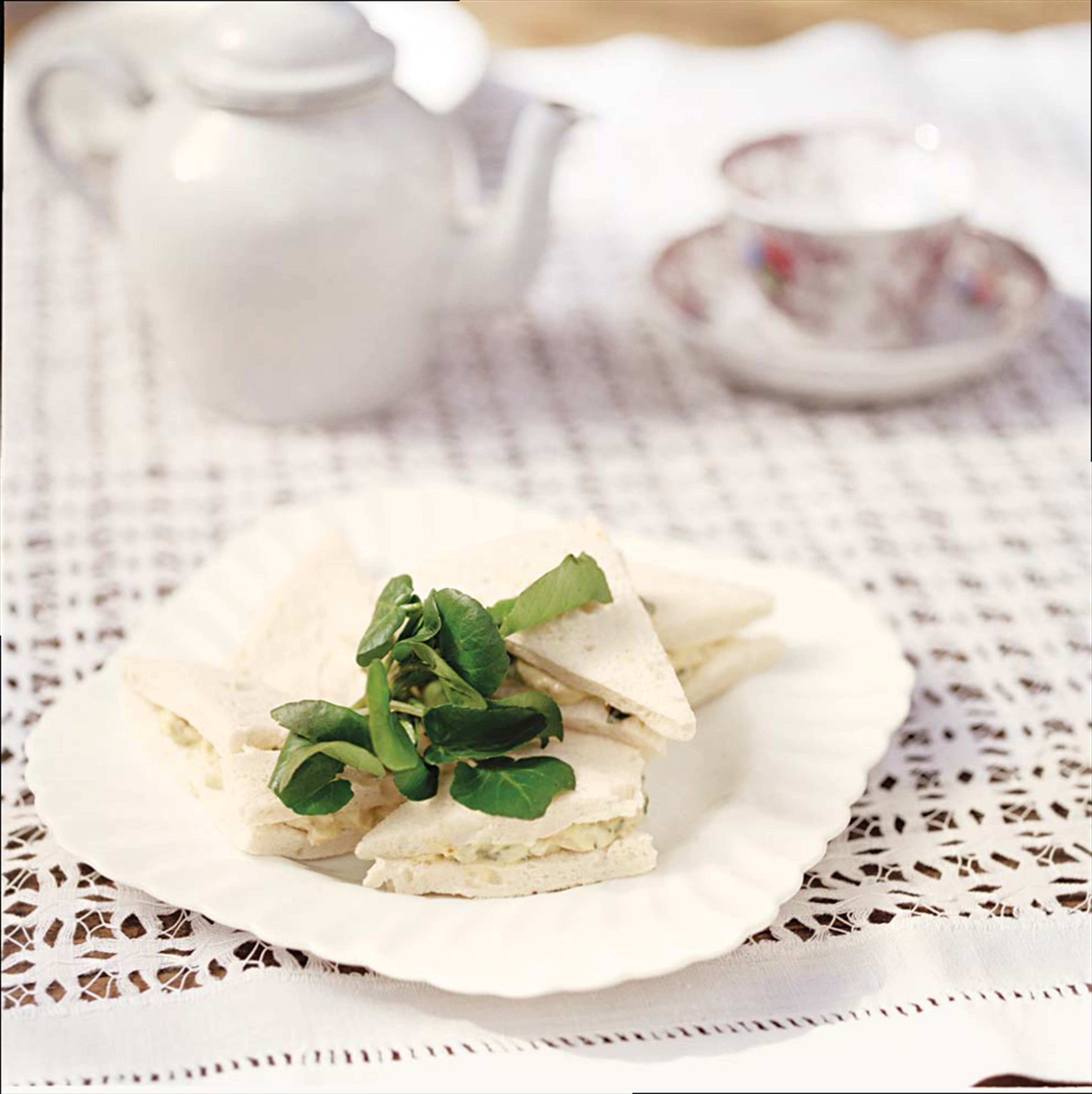 Little chicken and watercress sandwiches
