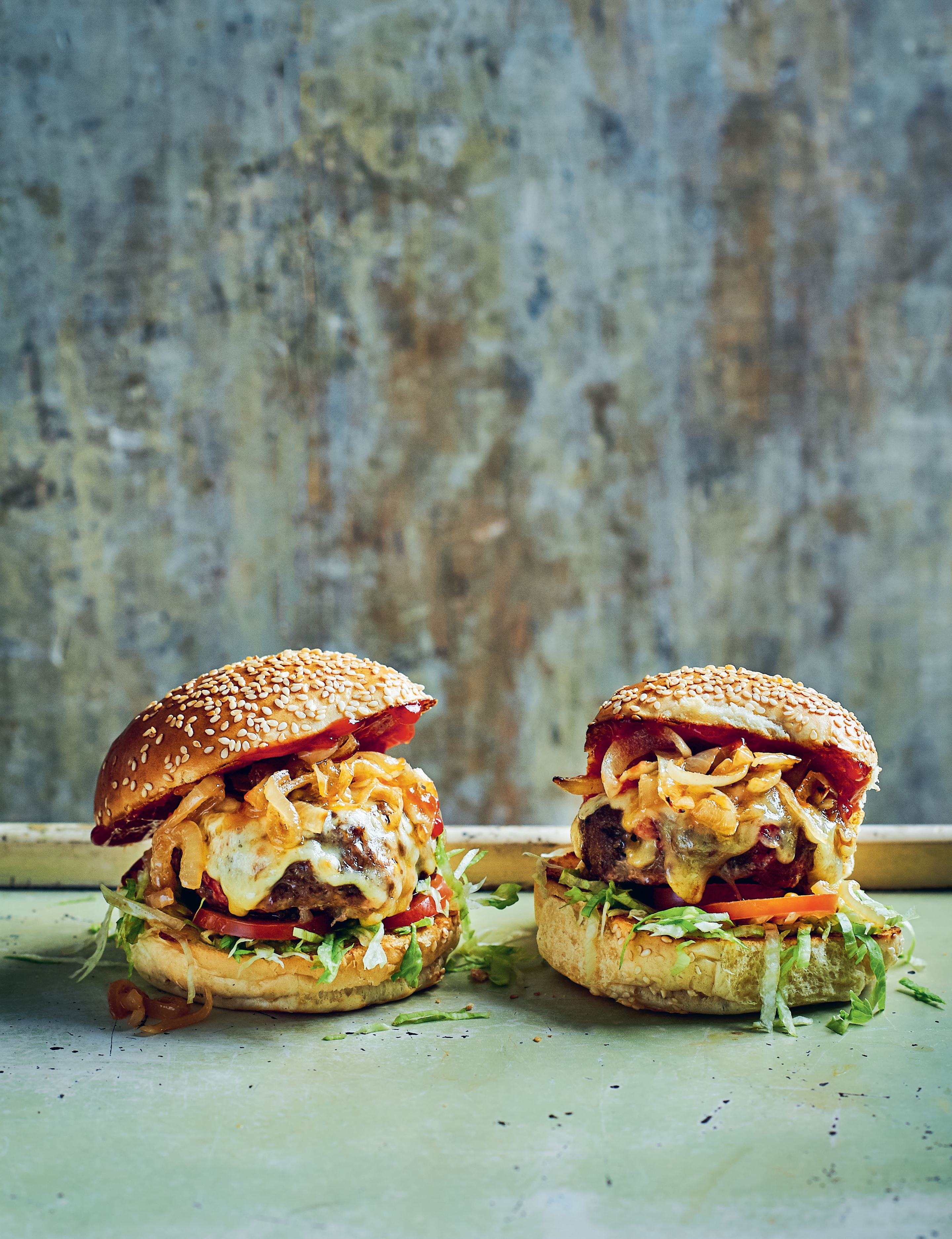 Spicy cheese and bacon burgers