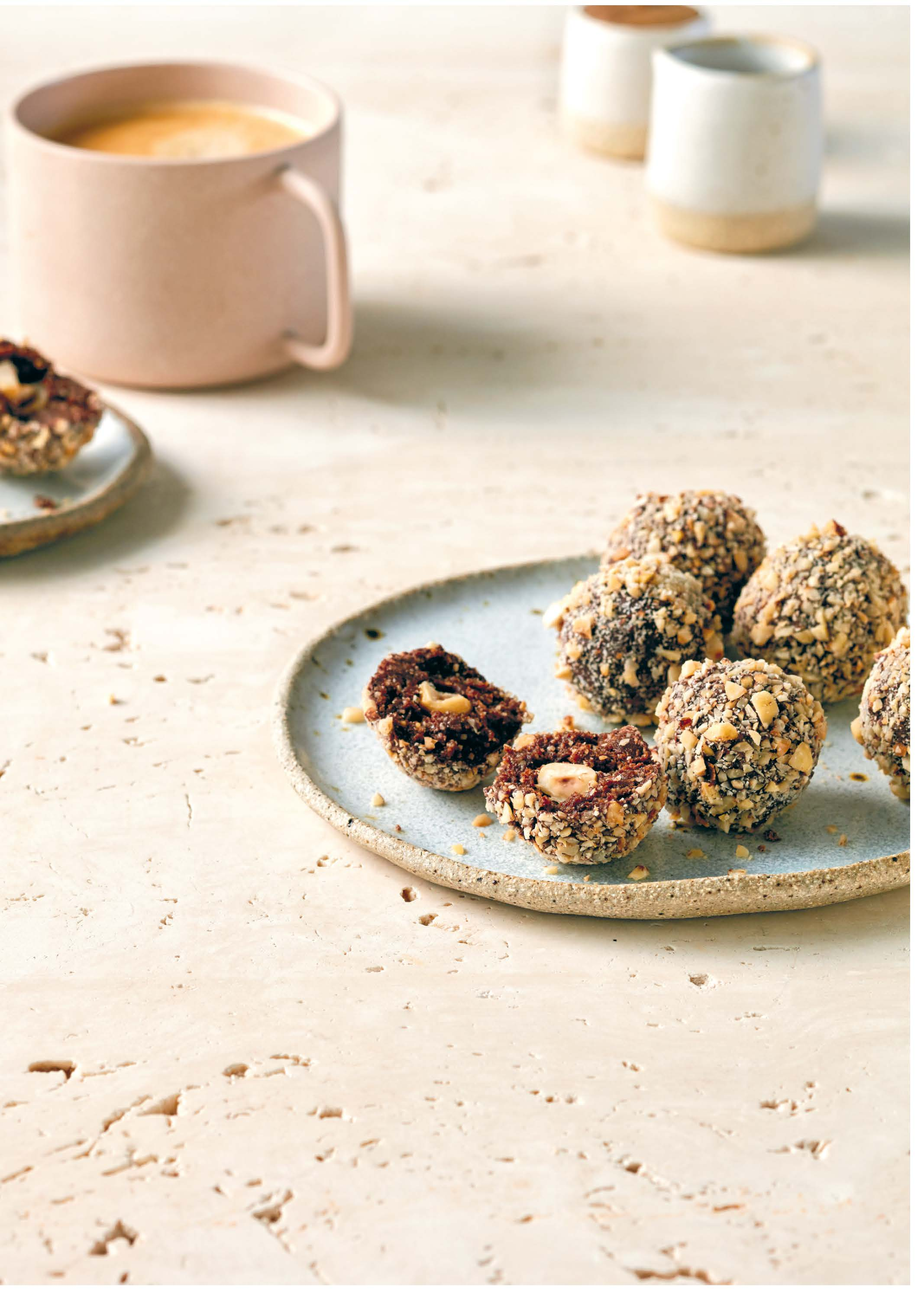 FAUX-RERRO ROCHER HAZELNUT BLISS BALLS