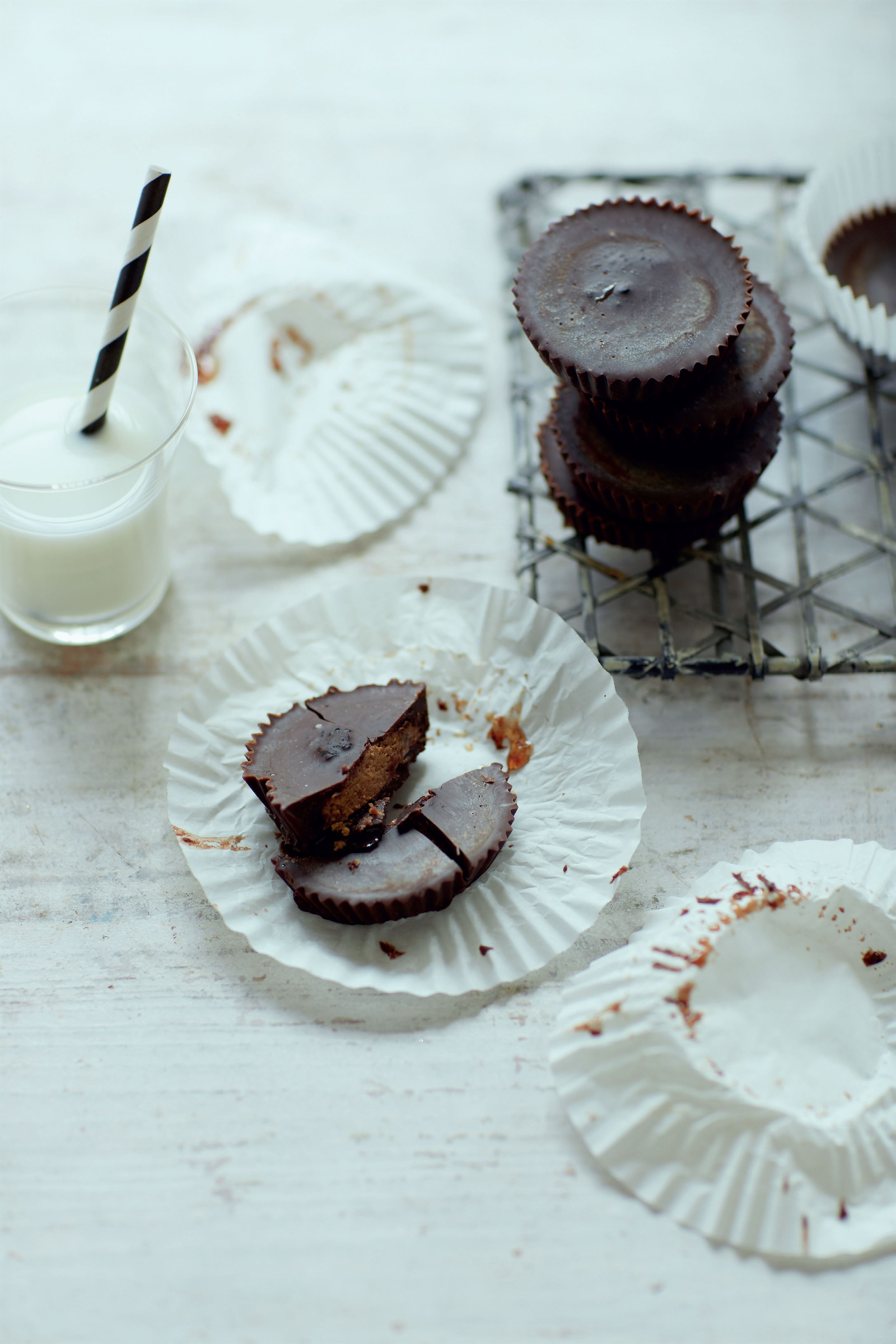 Super nut-butter cups with maca and lucuma