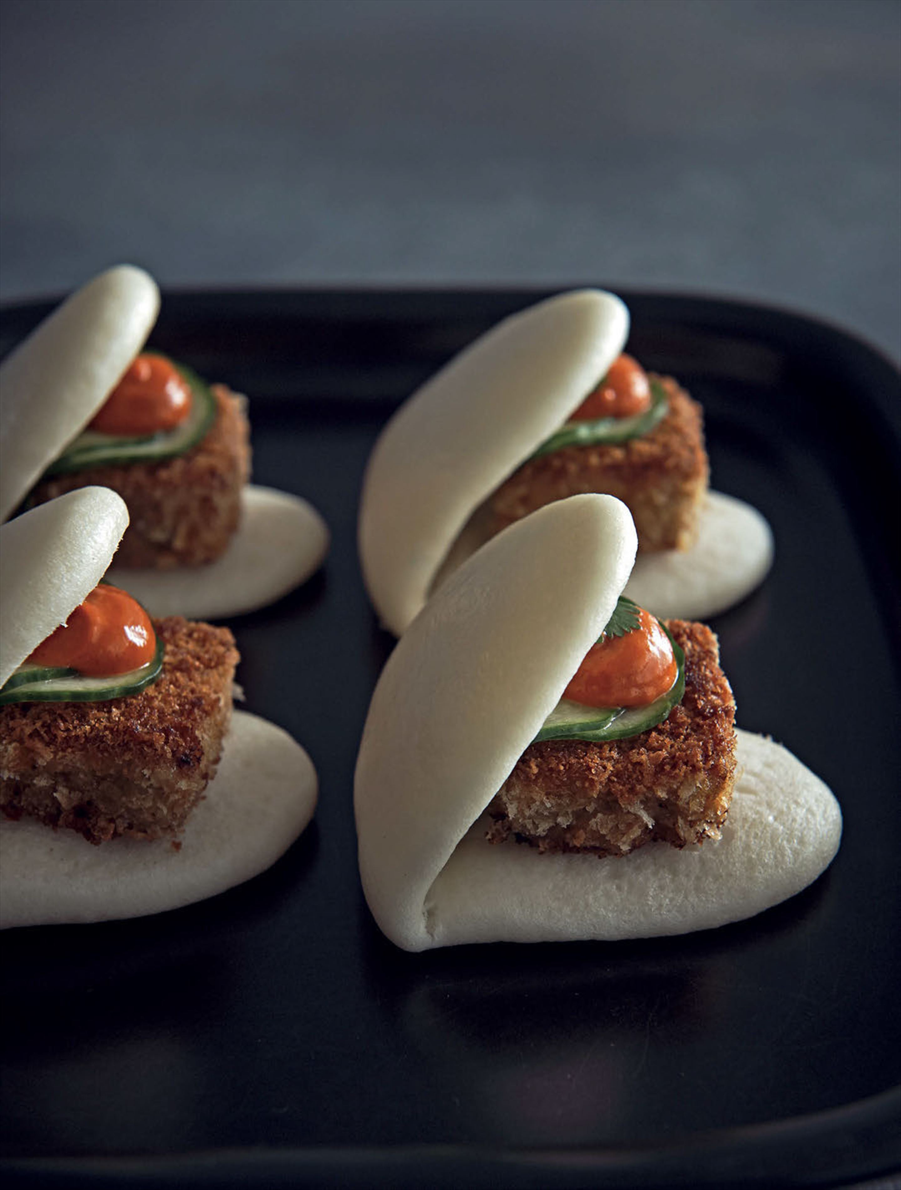 Pig's head bao with chilli tamarind dressing