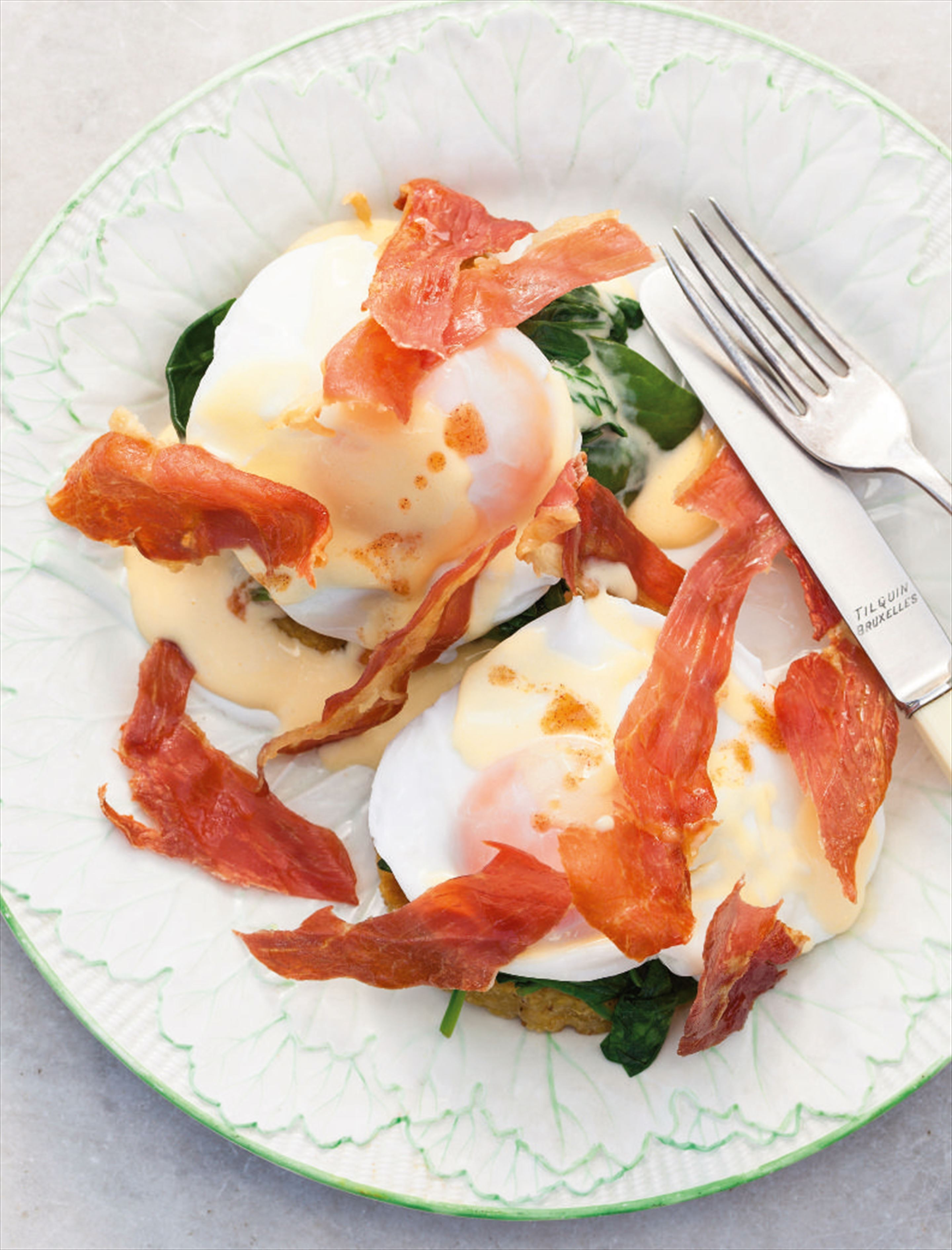 Lighter eggs Benedict