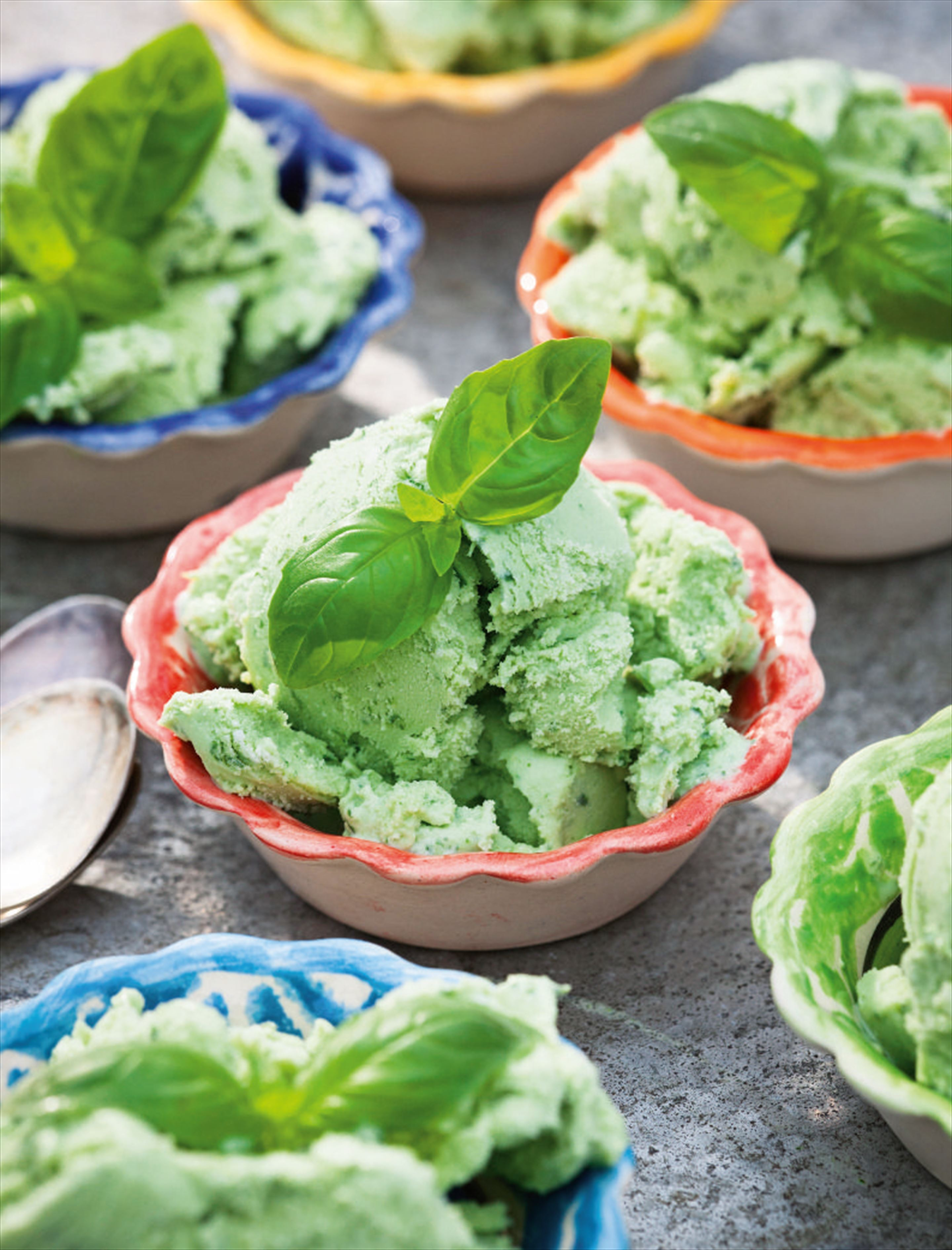 Frozen basil and ricotta yoghurt