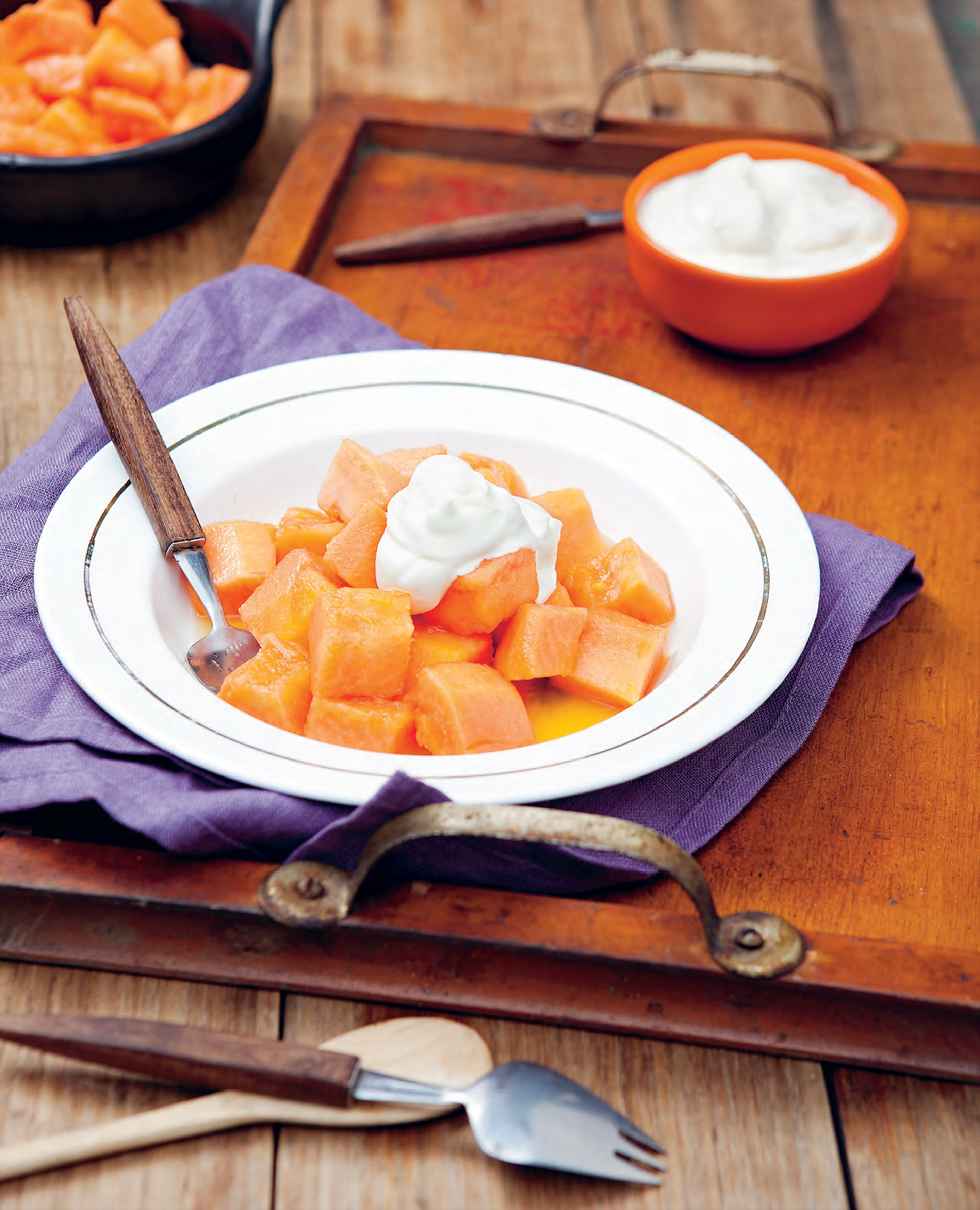 Chilean spiked papaya with cream