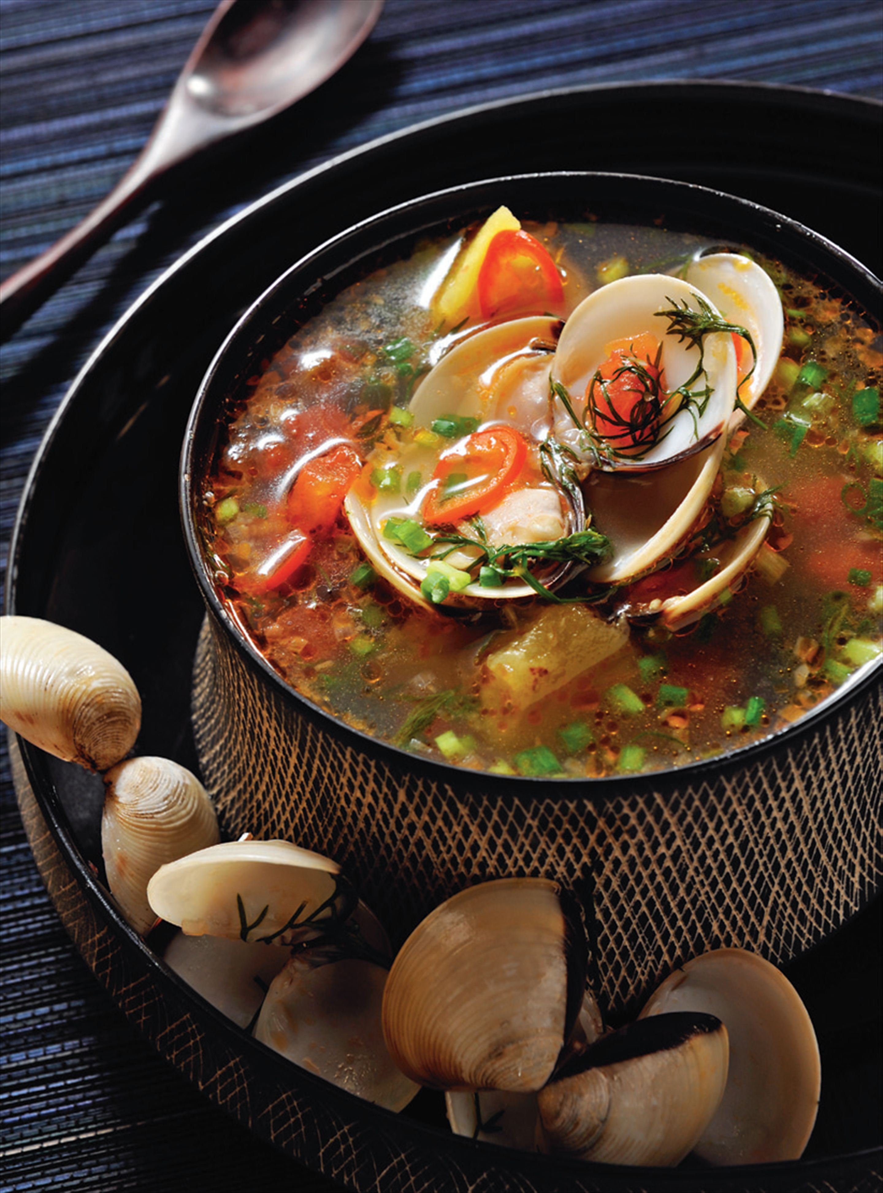 Clam and dill broth