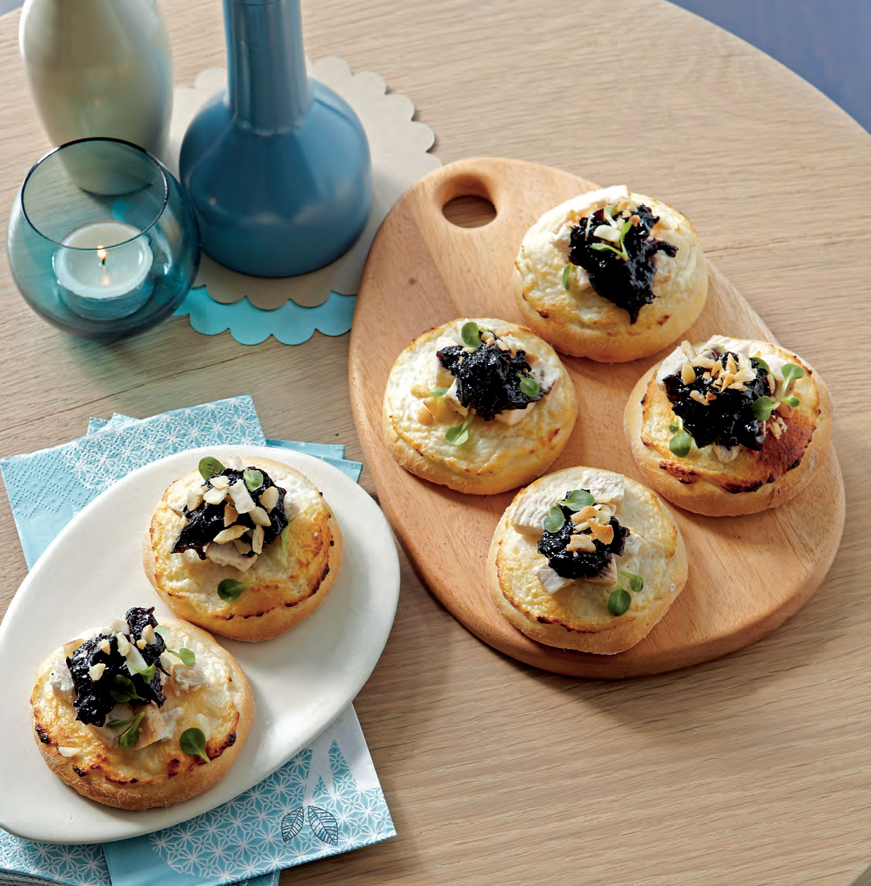 Chicken pizzettes with rosella paste and macadamia nuts