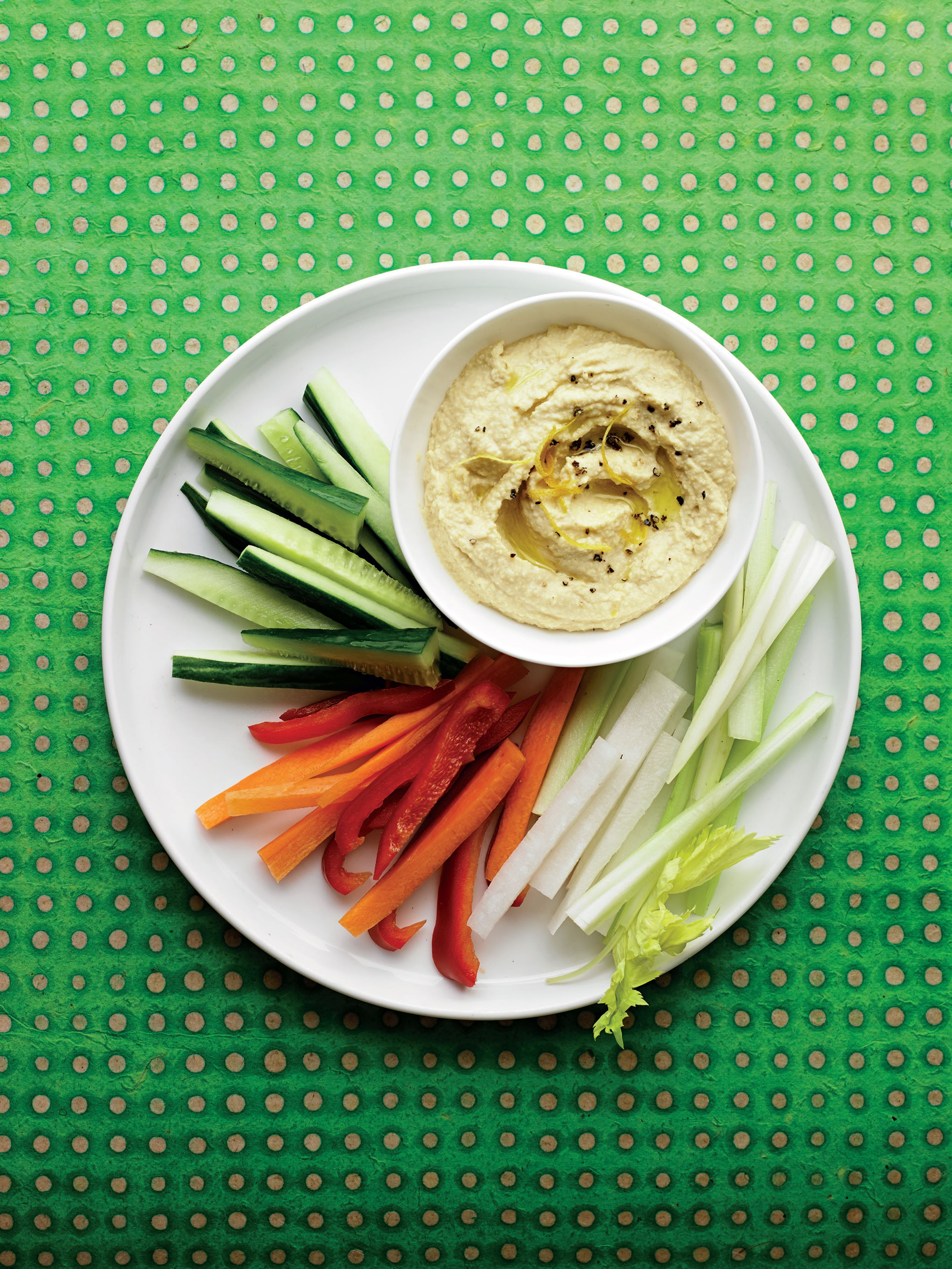 Houmous with clutch bag crudites