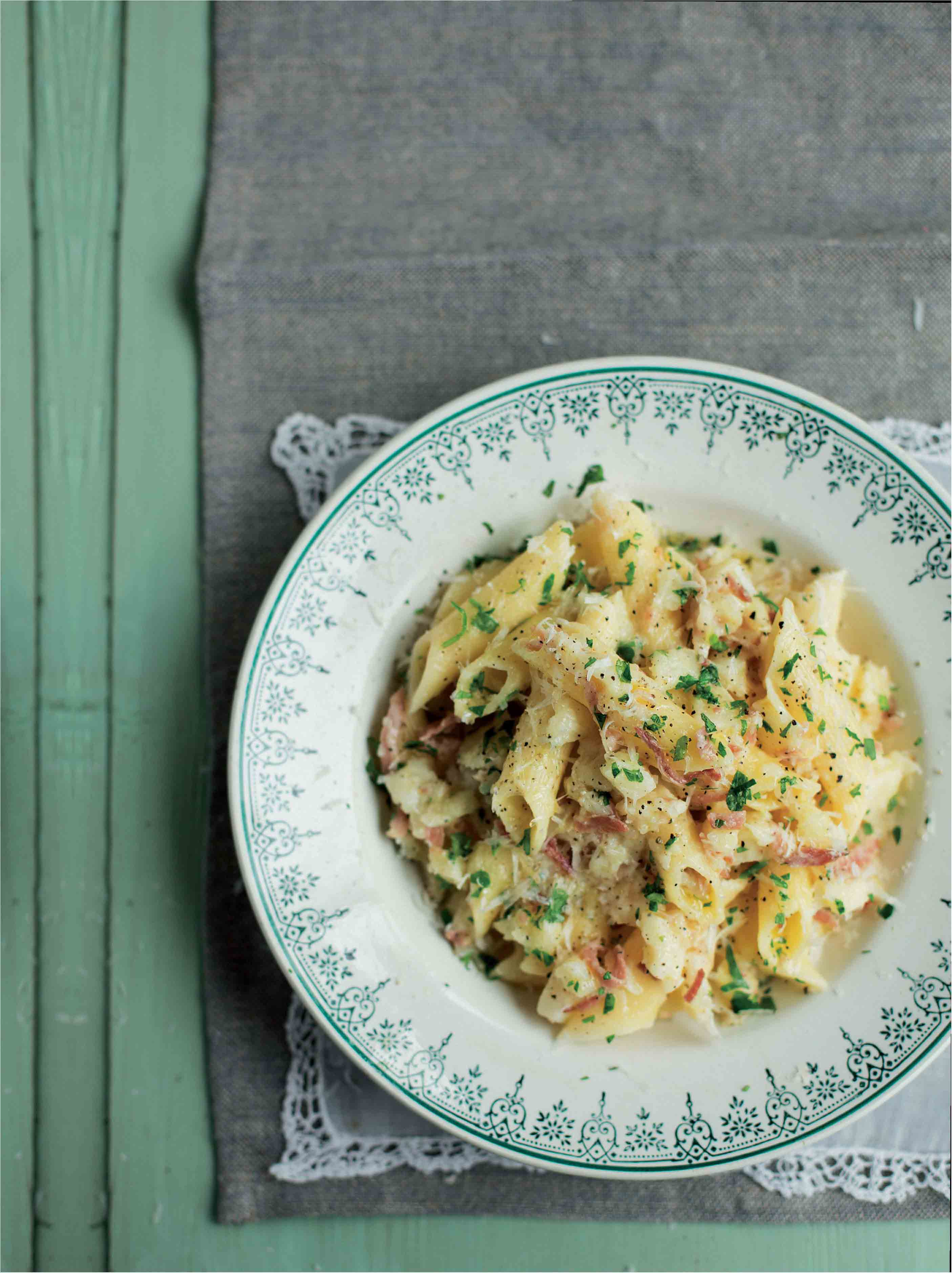 Large penne pasta with celeriac sauce