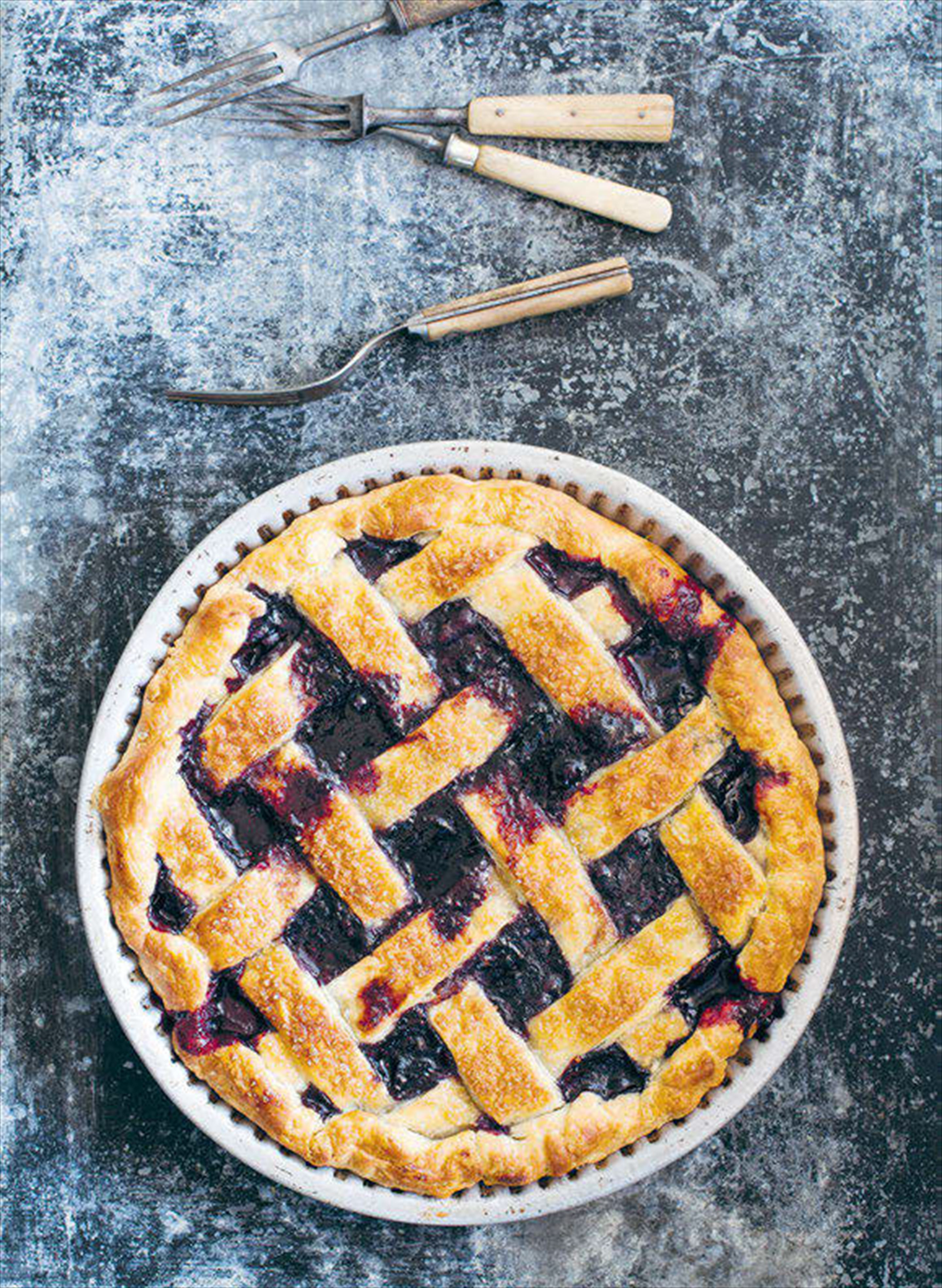 Blueberry, pear and lemon pie