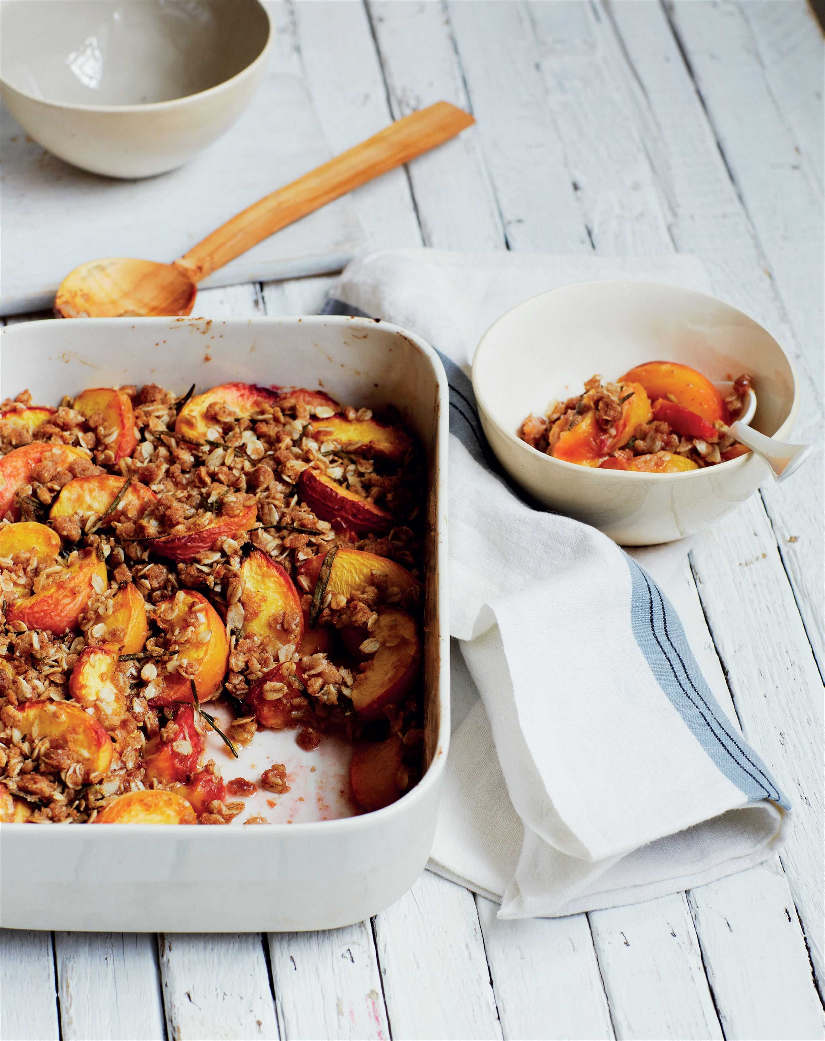 Peach and rosemary crumble