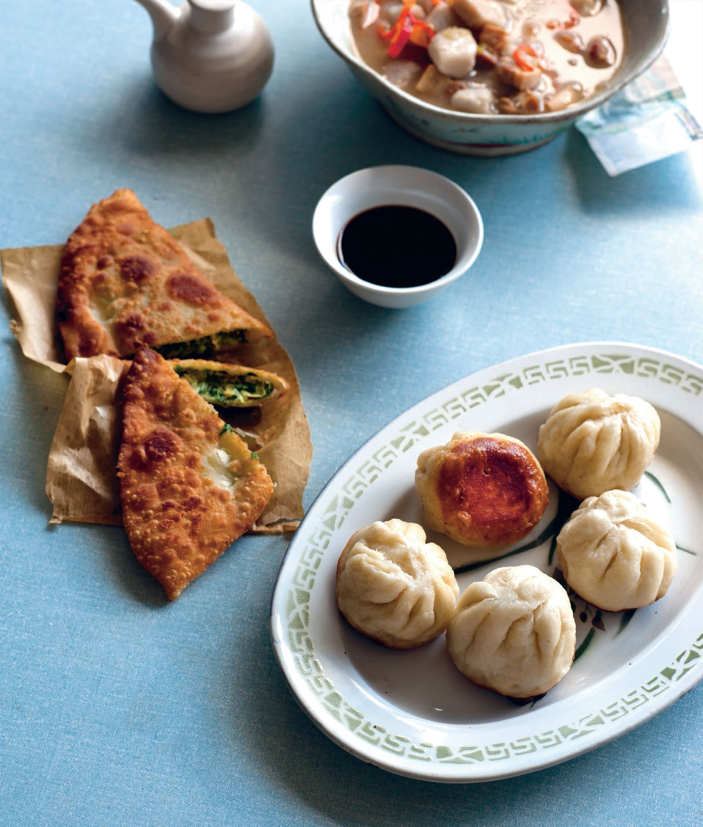 Steam-fried pork buns