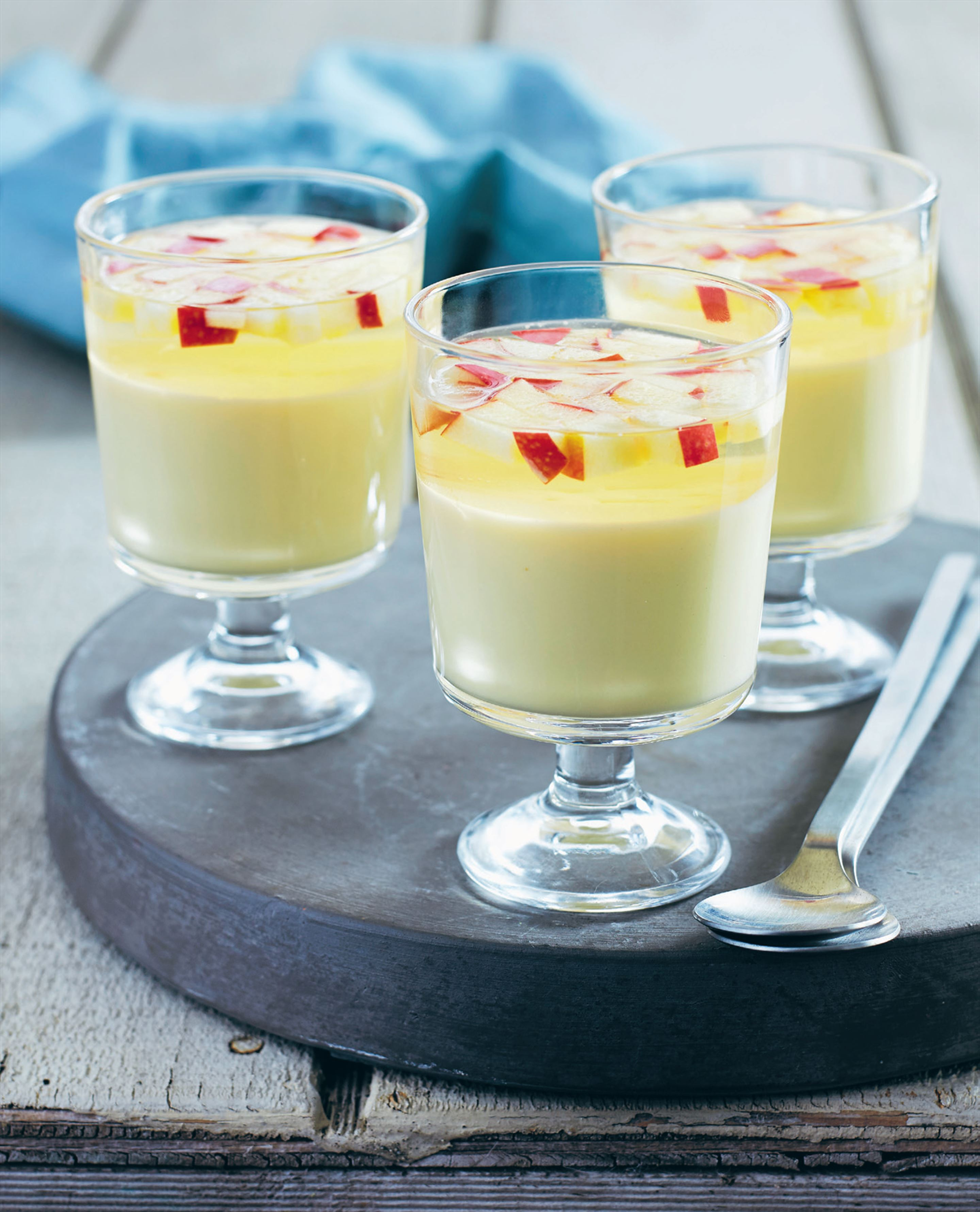 Ginger panna cotta with apple jelly