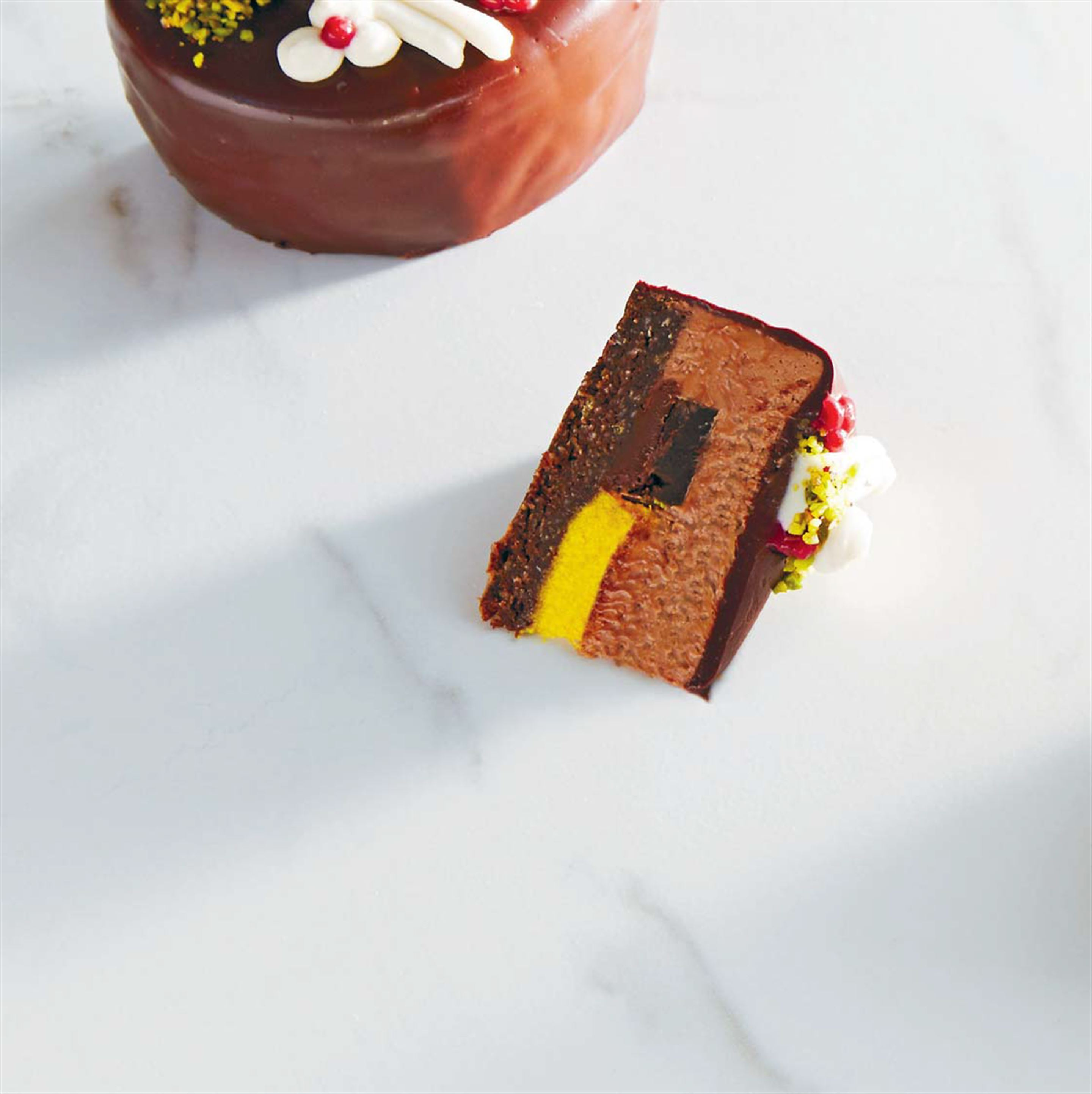 Royal raw gateaux