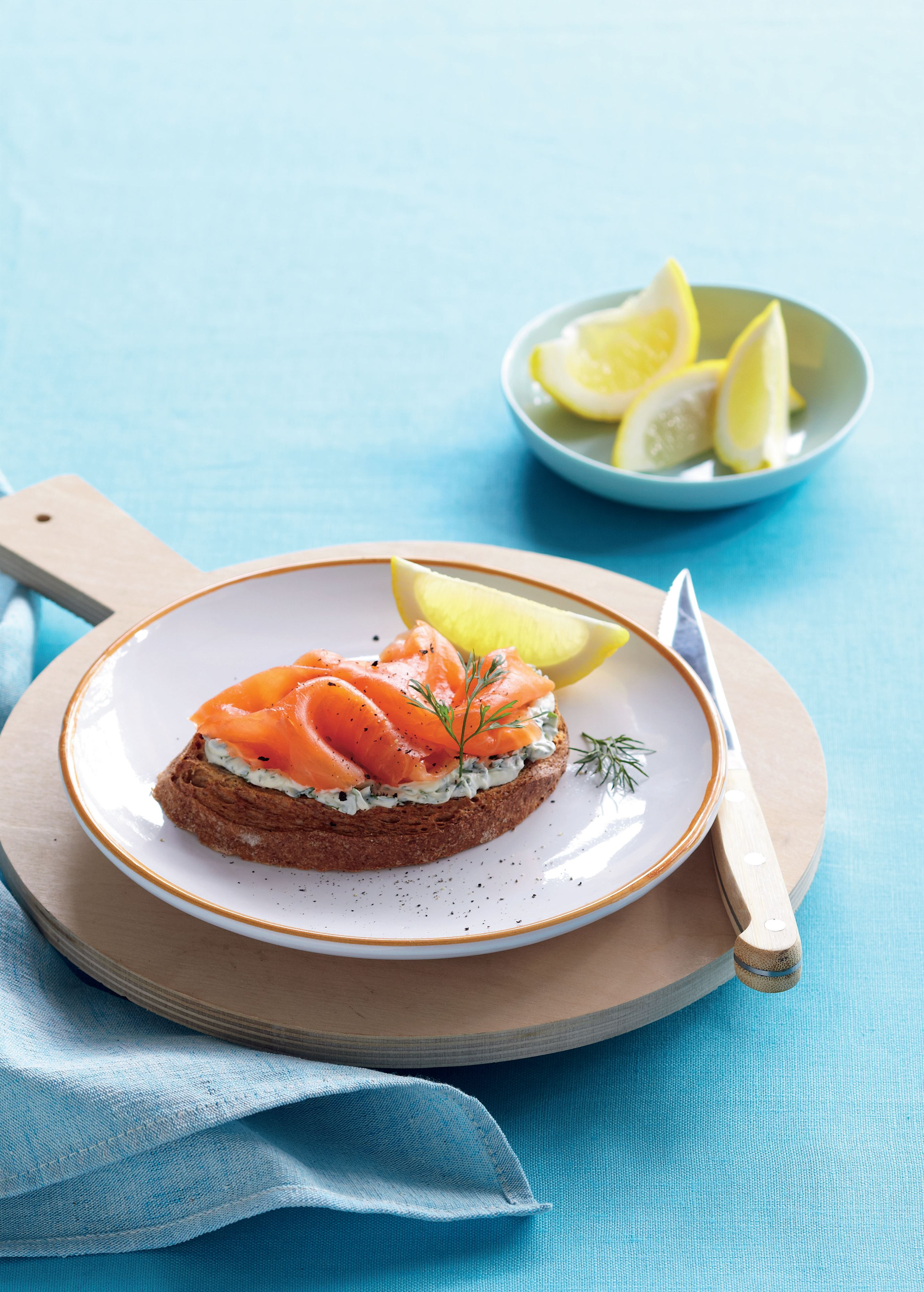 Smoked salmon with herbed cream cheese