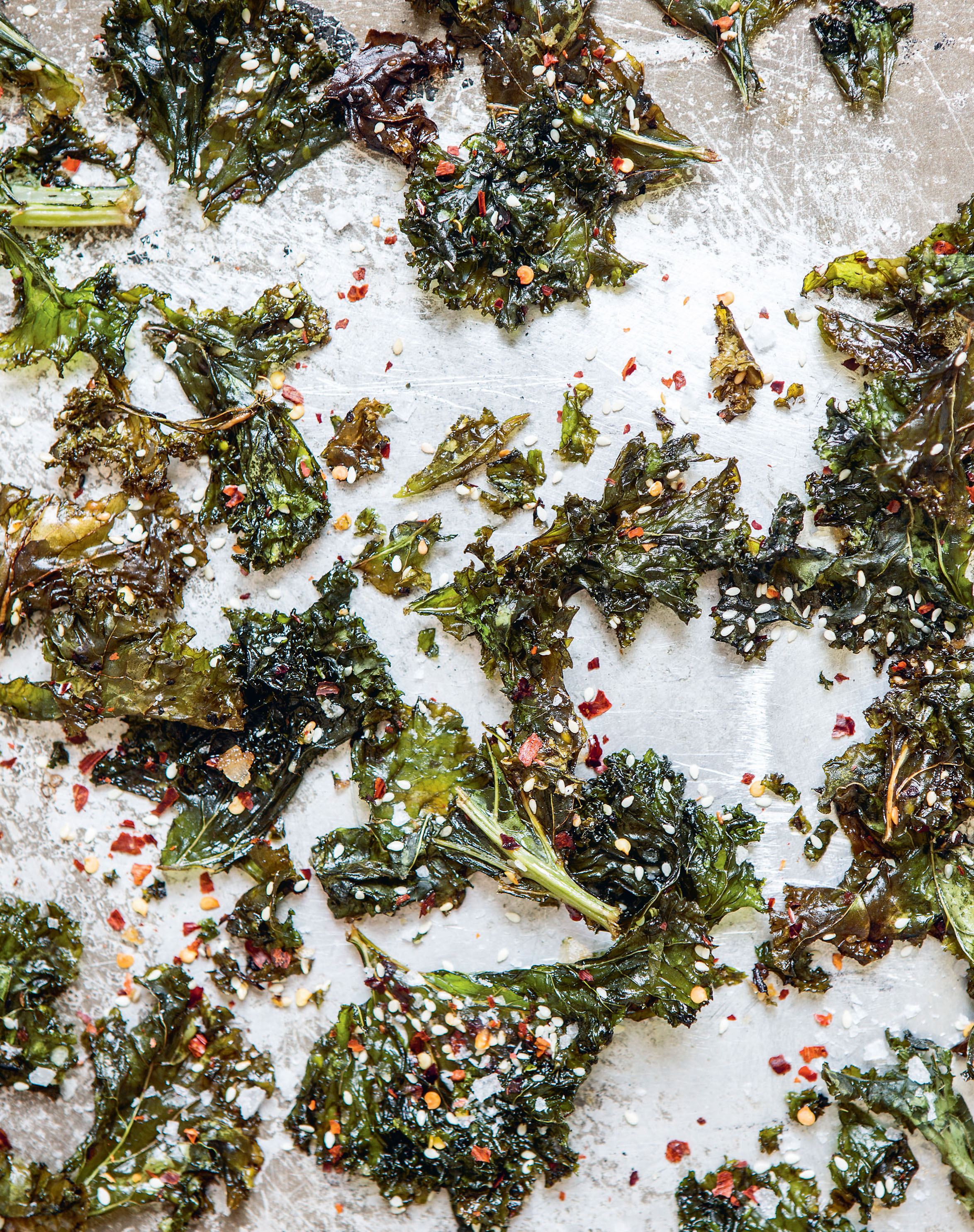Chilli, garlic + sesame kale chips