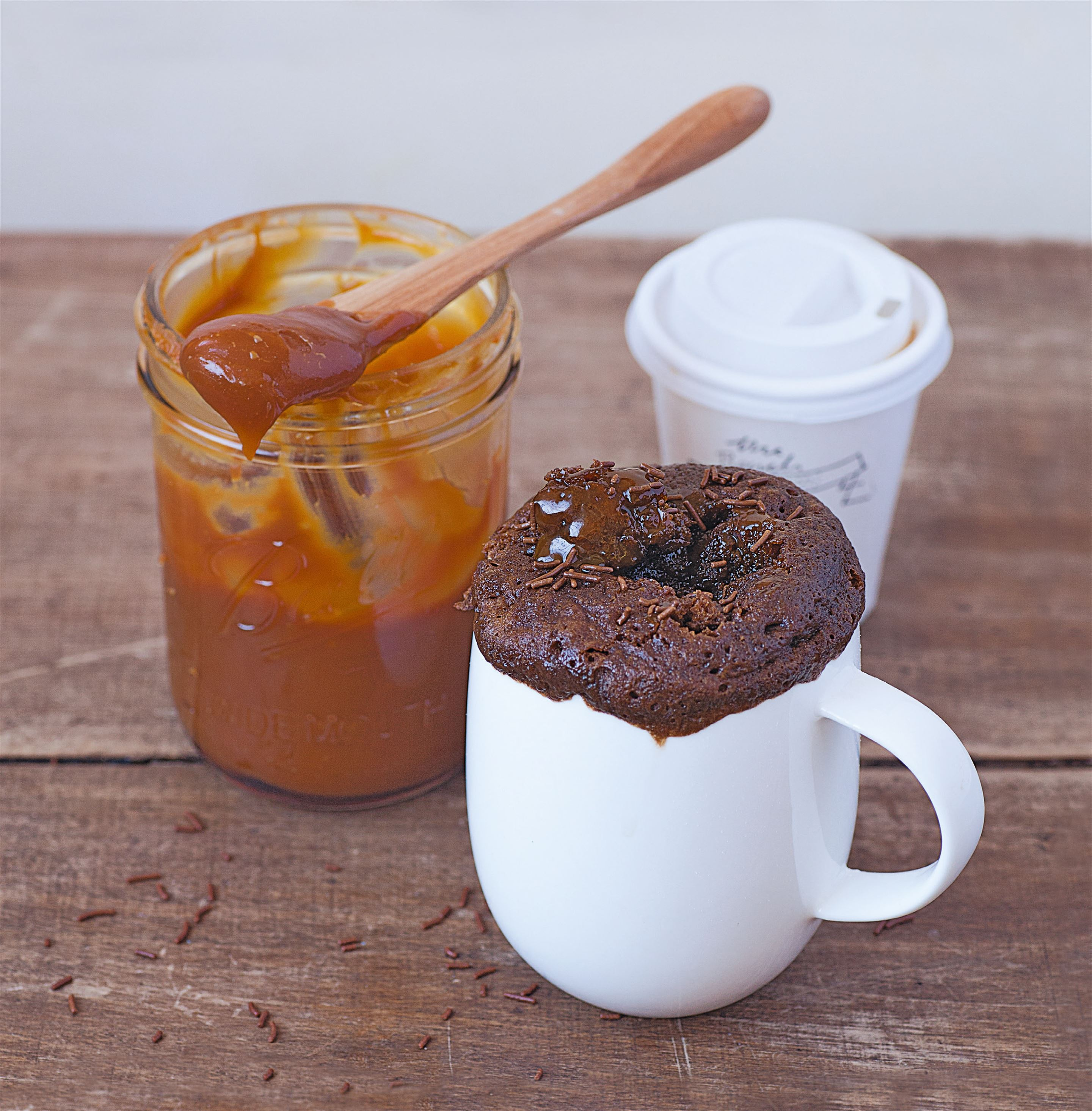 Milk chocolate mug cake with a salted caramel middle
