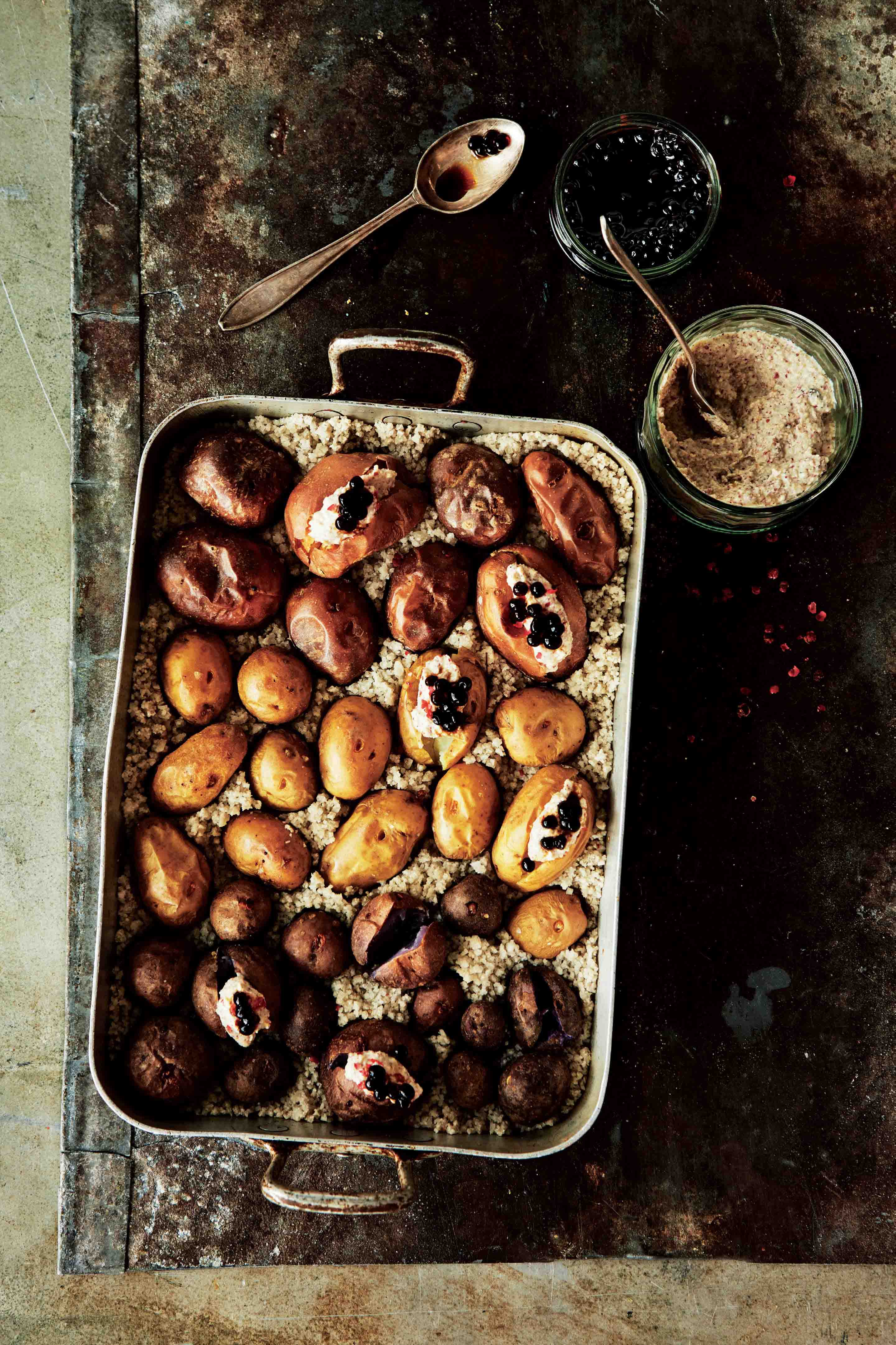 Canary Island-style tempero salt-baked mini potatoes